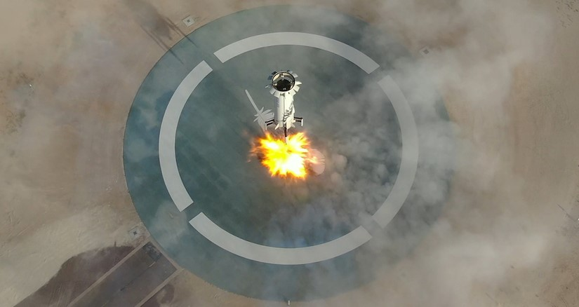 New Shepard Flight 11 landing (Blue Origin) 1 crop