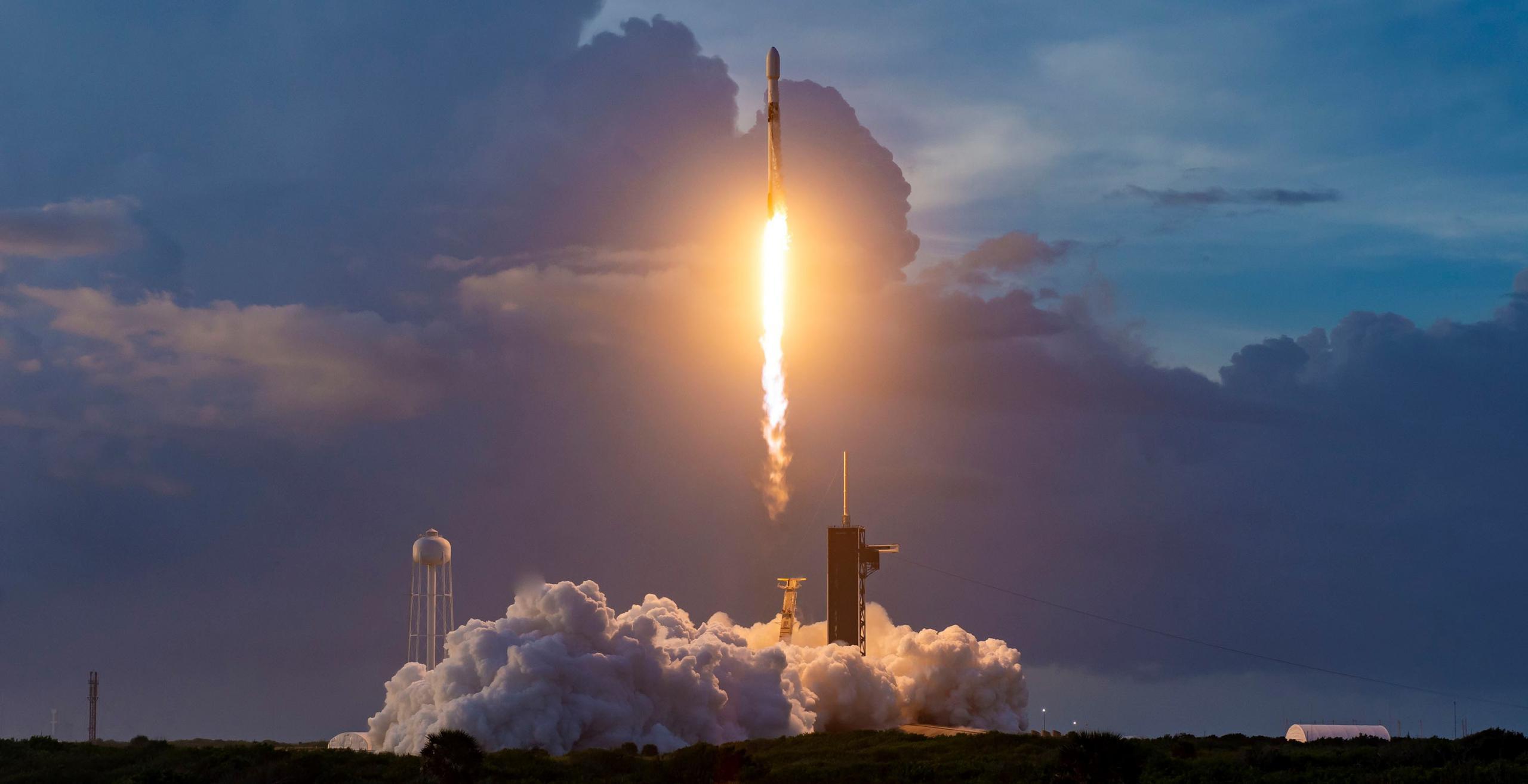Starlink-12 F9 B1058 39A 100620 (SpaceX) 3 crop (c)
