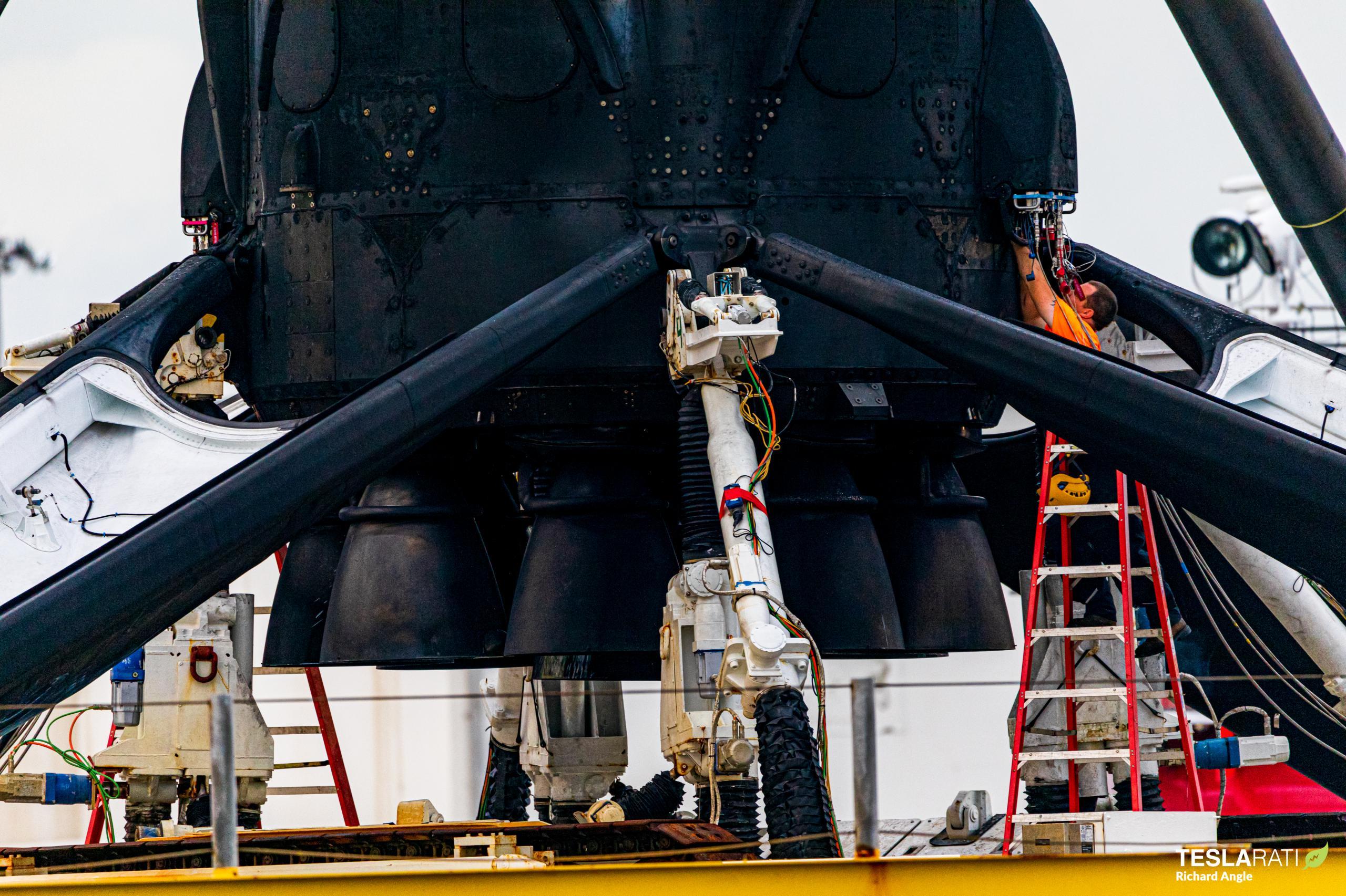 Starlink-13 Falcon 9 B1051 OCISLY return 102120 (Richard Angle) (7) (c)