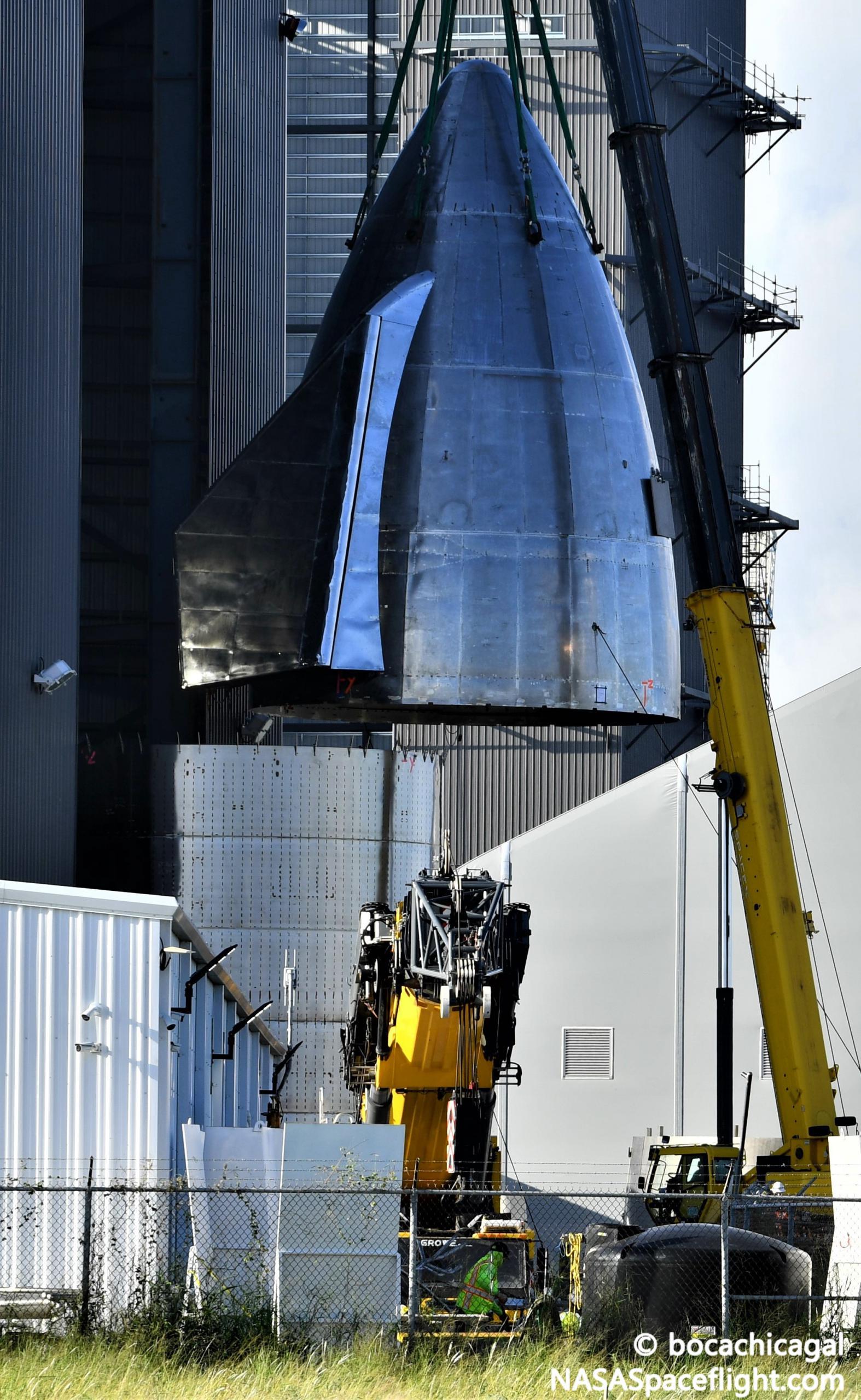 Starship Boca Chica 101920 (NASASpaceflight – bocachicagal) SN8 nosecone stack 2 crop (c)