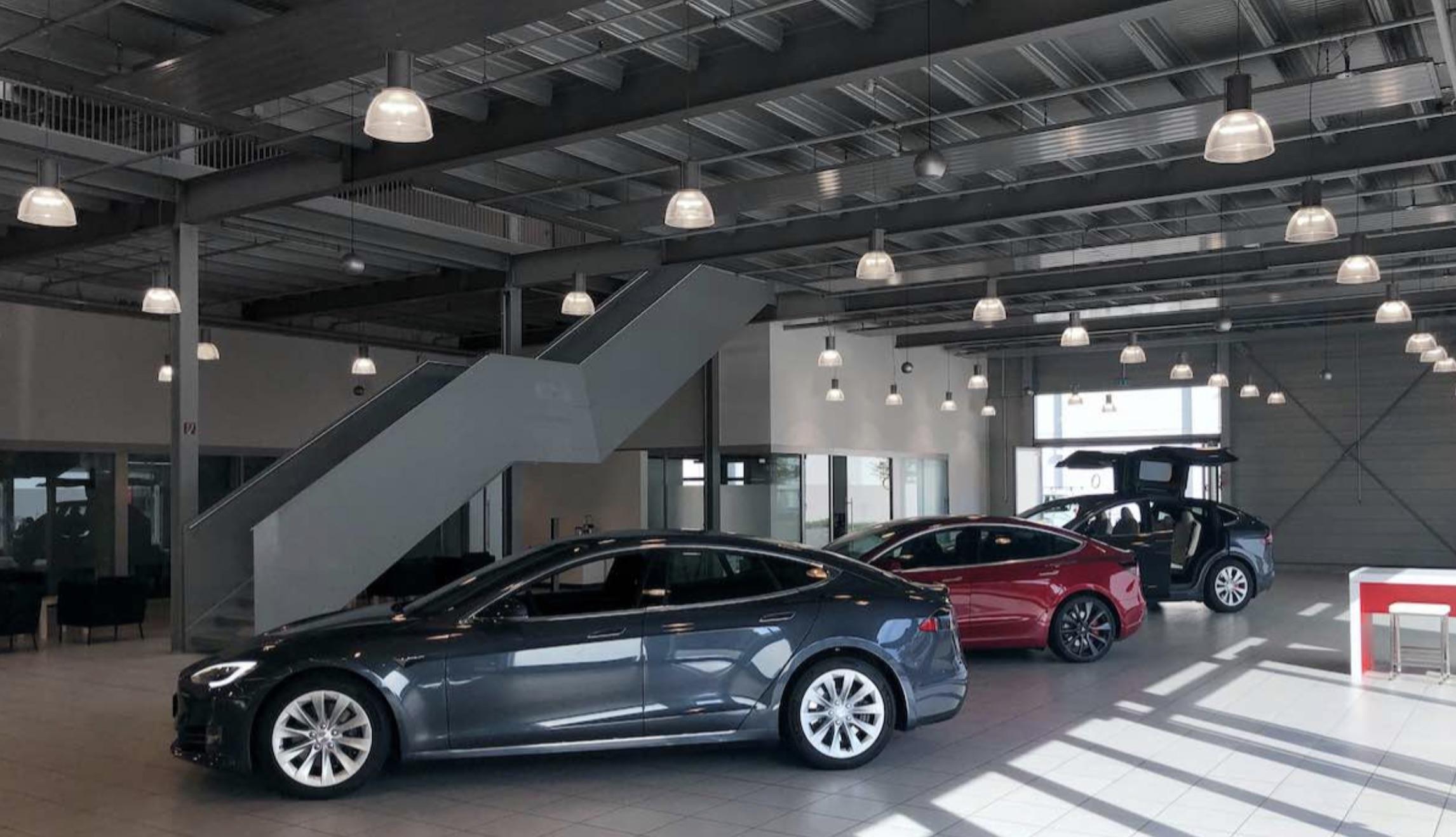 Tesla-Sales-Center-Germany