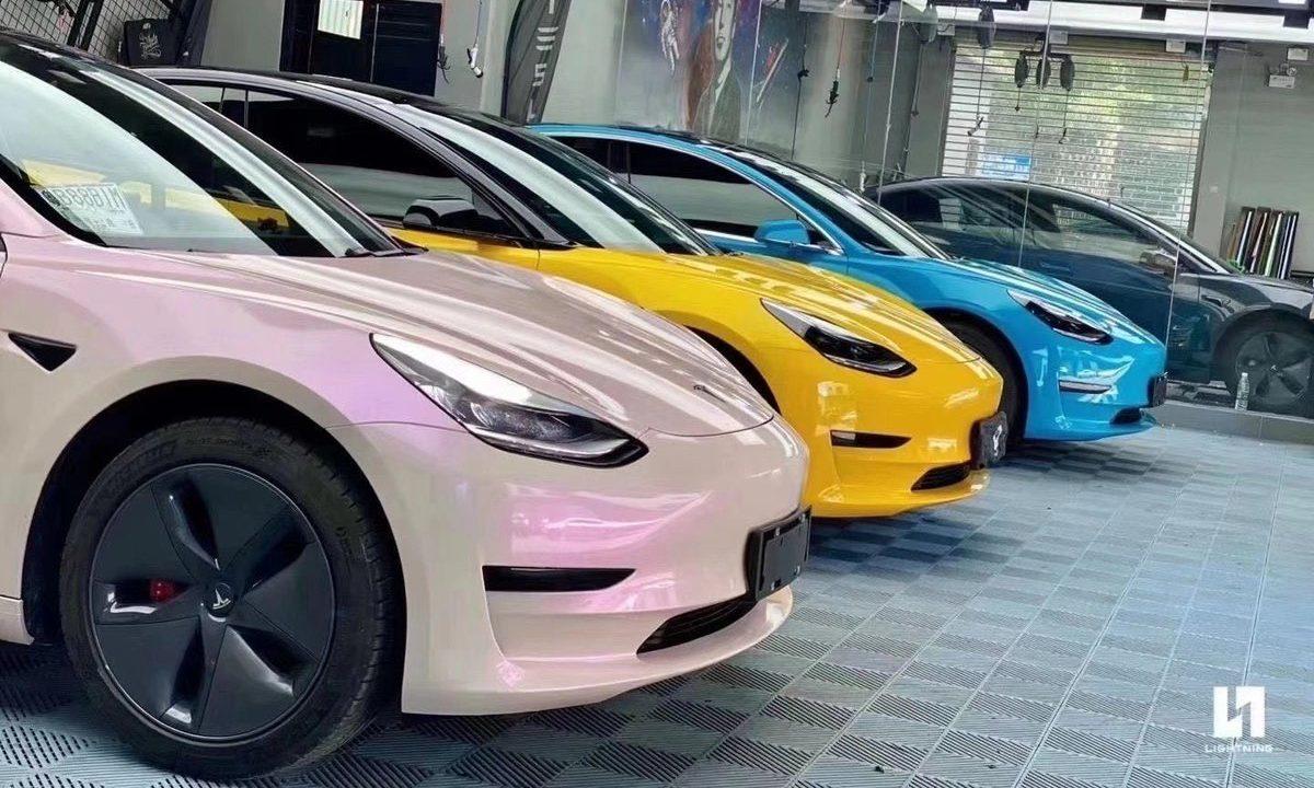 model-3-colors