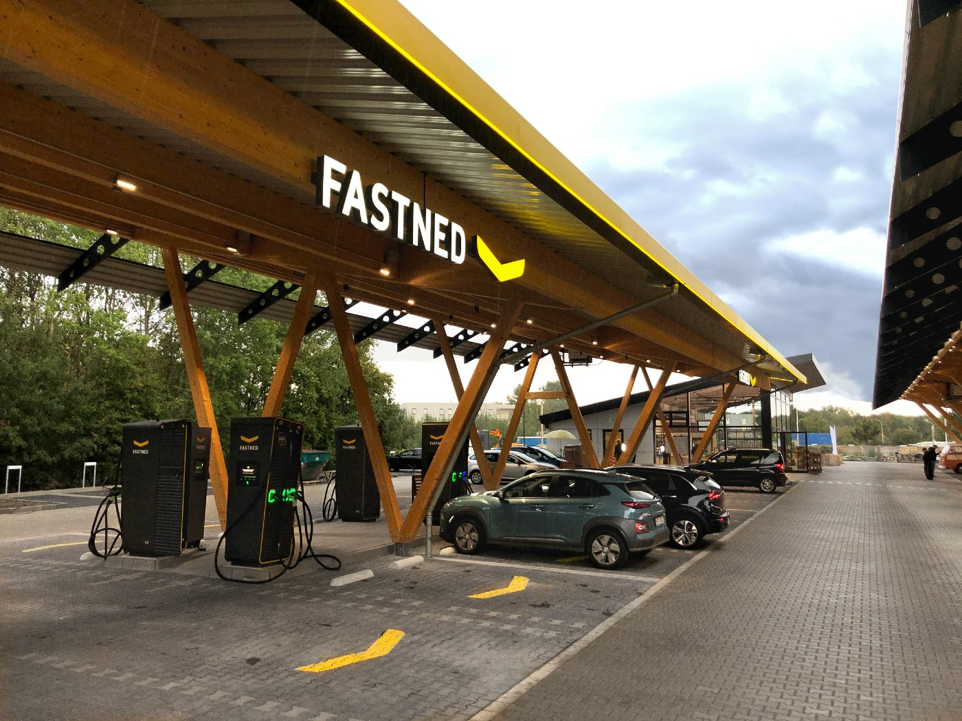 Tesla opens solar and wind-powered fast charging hub in Germany with Fastned