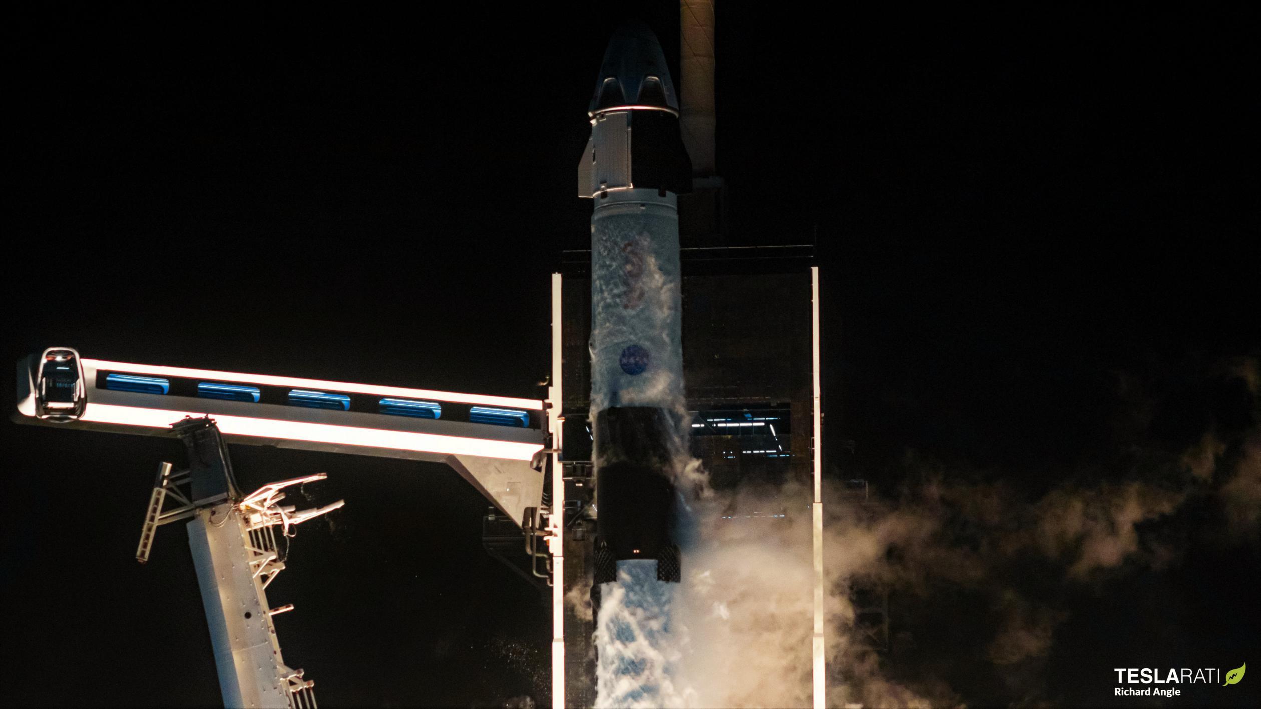 Crew-1 Crew Dragon C207 Falcon 9 B1061 39A 111520 (Richard Angle) launch 2 crop (c)