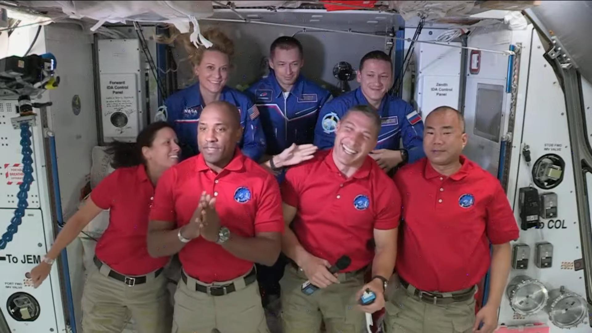 Crew-1 Crew Dragon C207 webcast 111620 (NASA) ingress 2