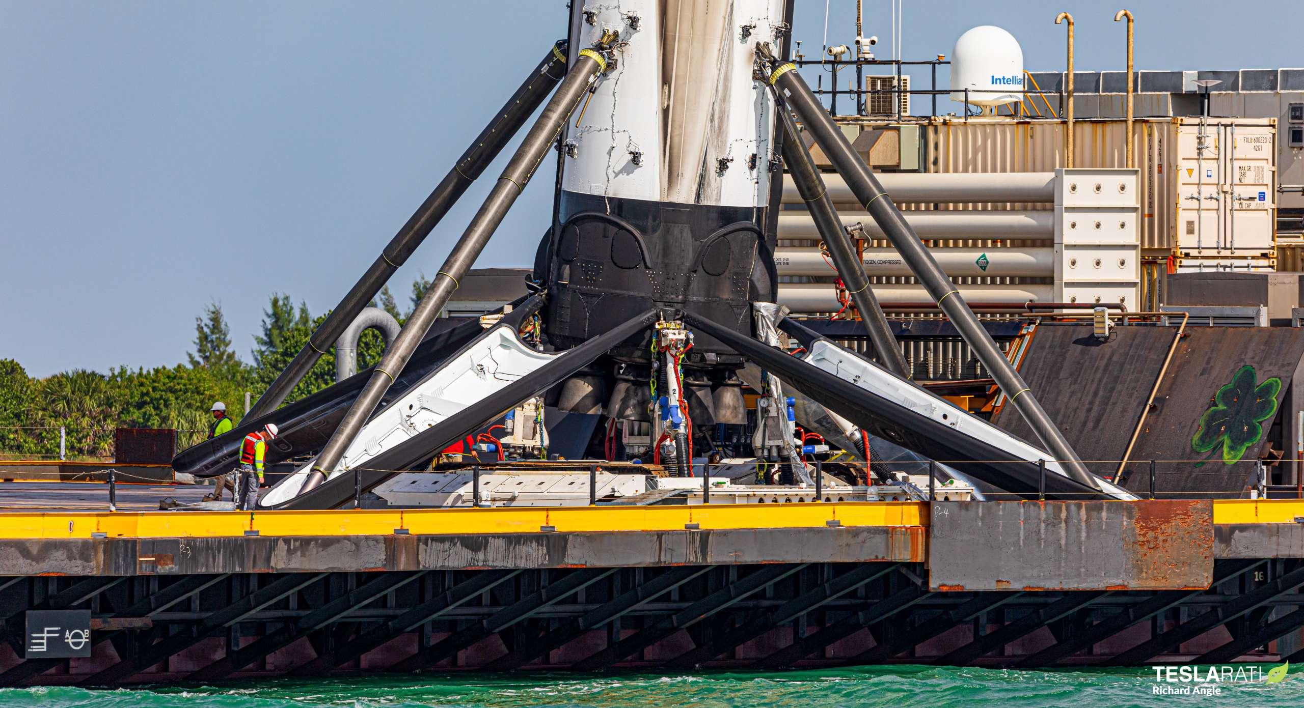 Crew-1 Falcon 9 B1061 JRTI return 111920 (Richard Angle) 4 crop (c)