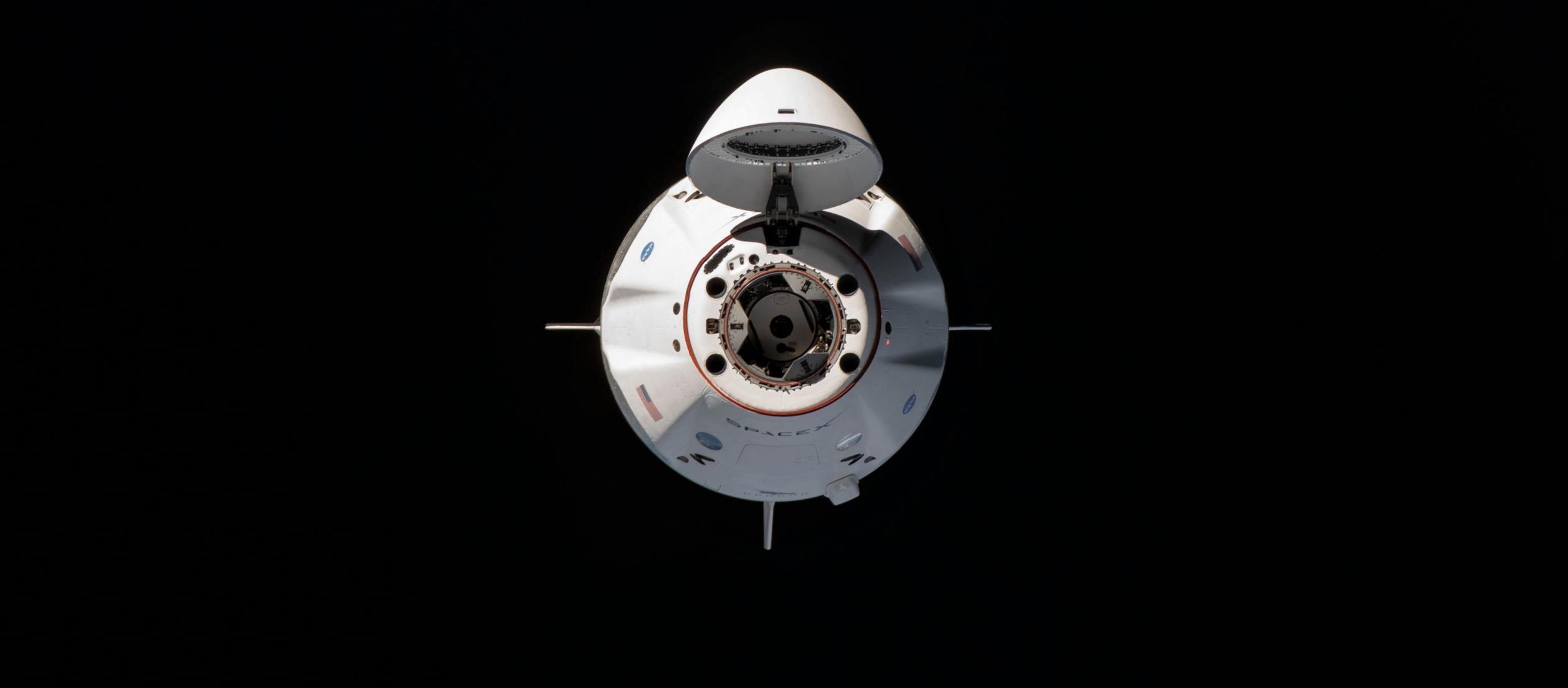 Crew Dragon Crew-1 orbital ops 111620 (NASA) ISS approach 1 crop 1 (c)