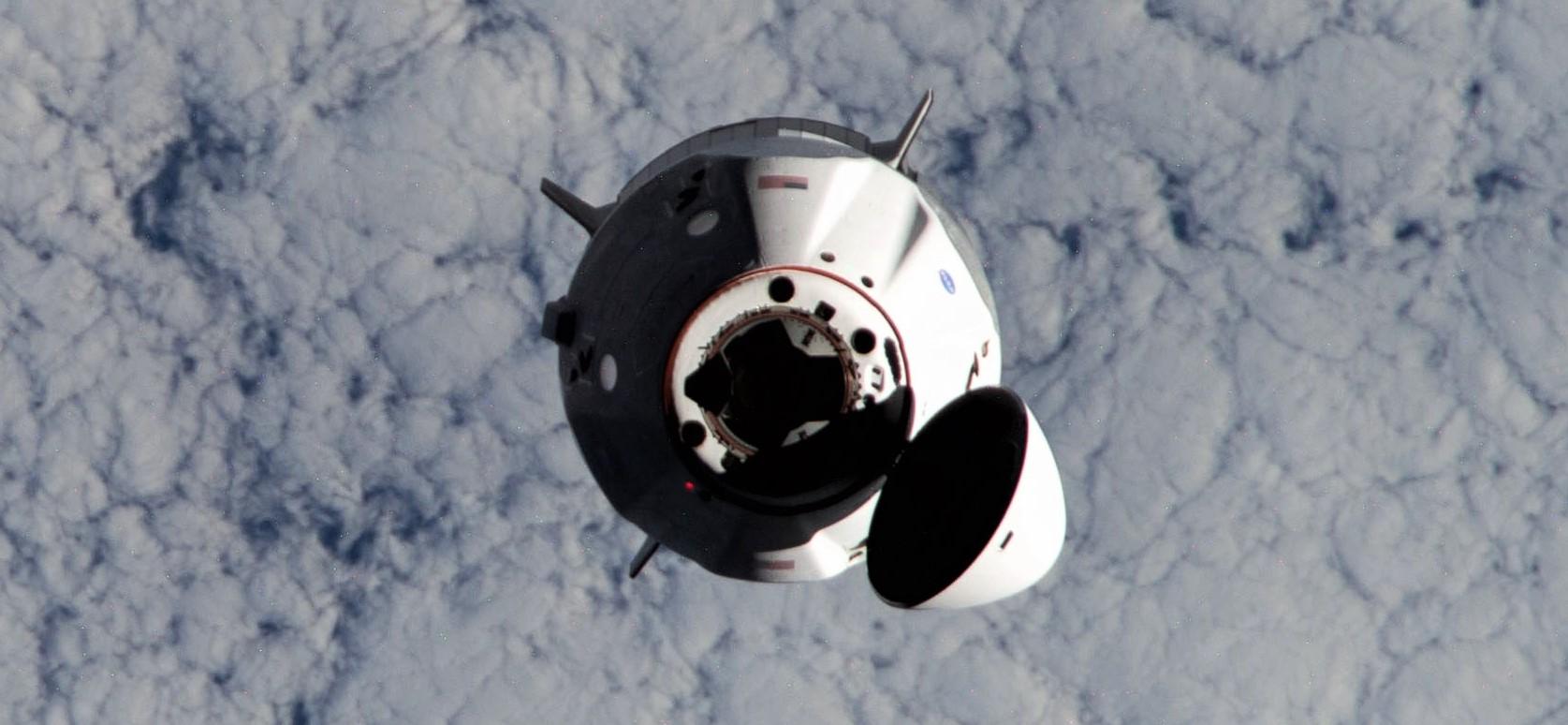 Crew Dragon Crew-1 orbital ops 111620 (NASA) ISS approach 2 crop 1