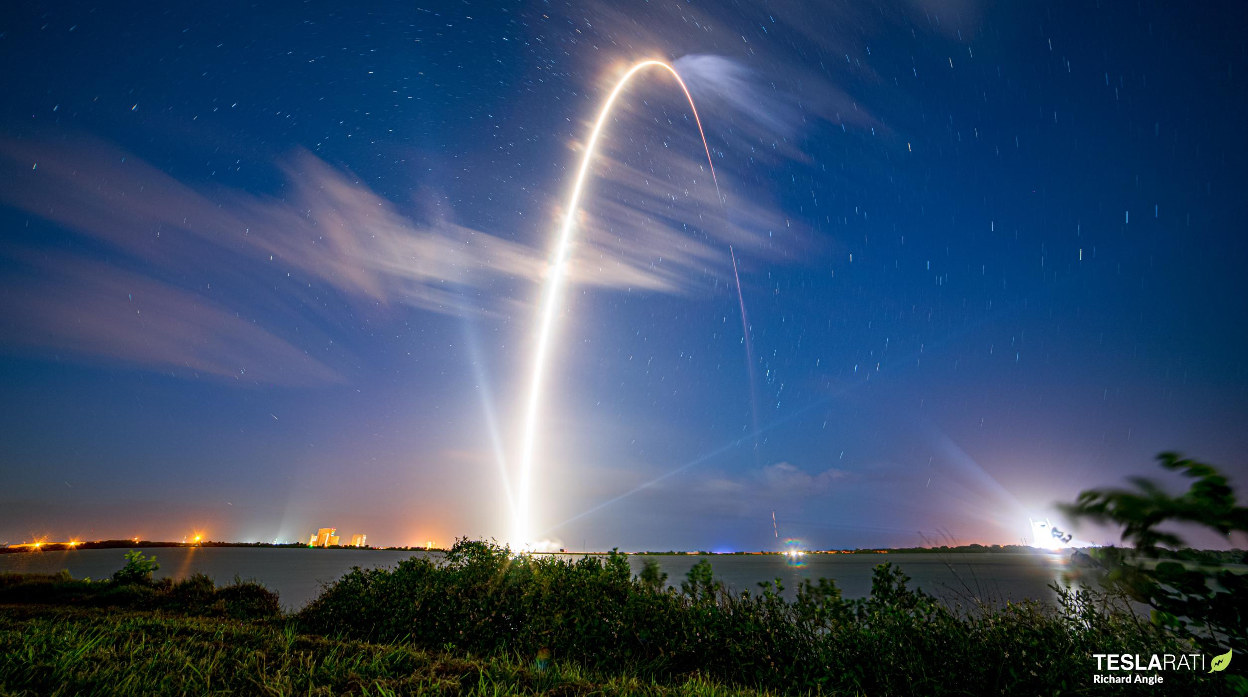 GPS III SV04 Falcon 9 B1062 LC-40 110520 (Richard Angle) streak 1 (c)