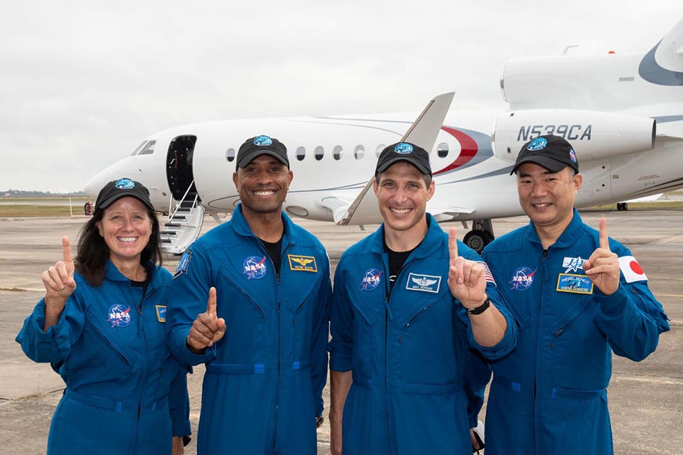 SpaceX-NASA-Crew-1-arrival-KSC