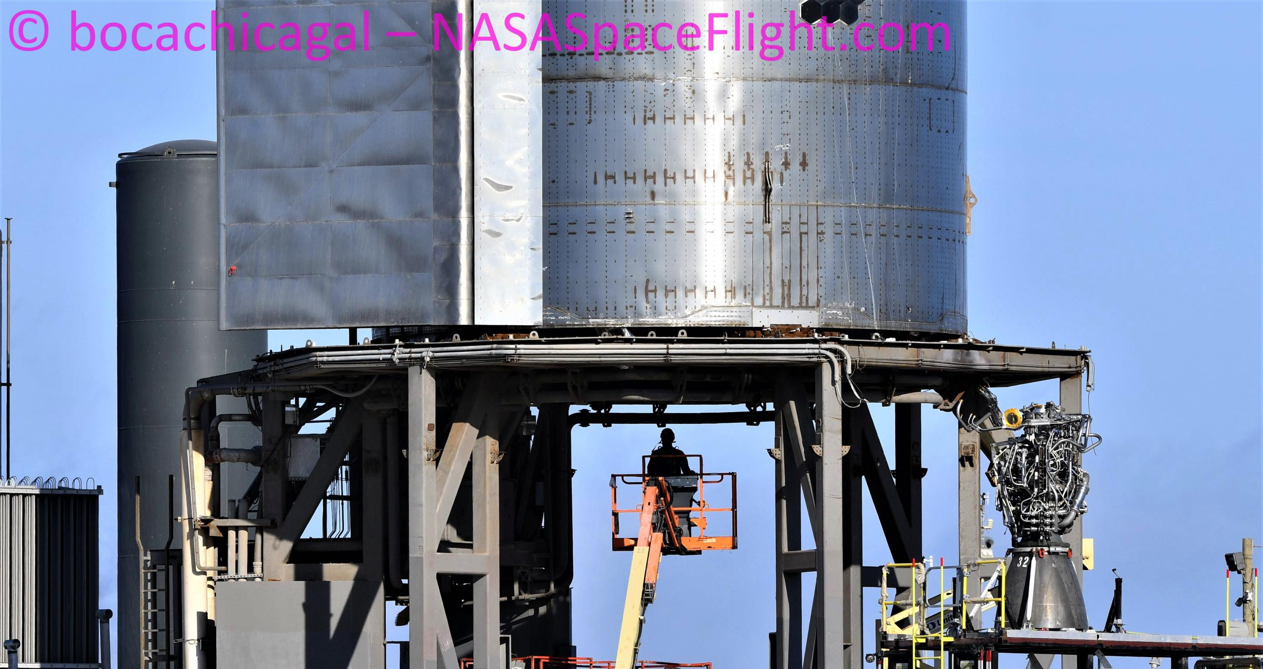 Starship Boca Chica 111420 (NASASpaceflight – bocachicagal) SN8 Raptor SN32 removal 2 crop (c)