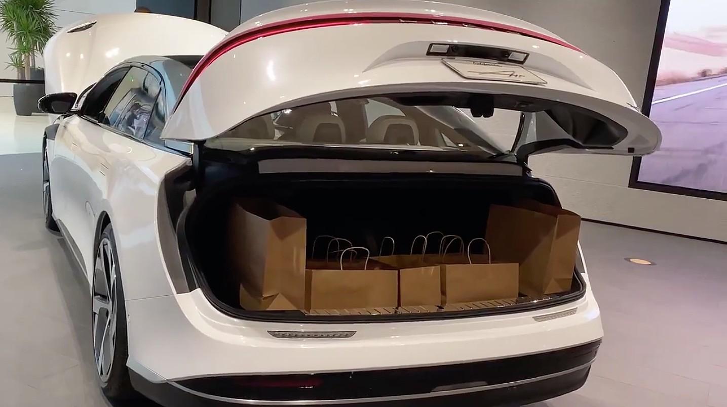 lucid-air-trunk