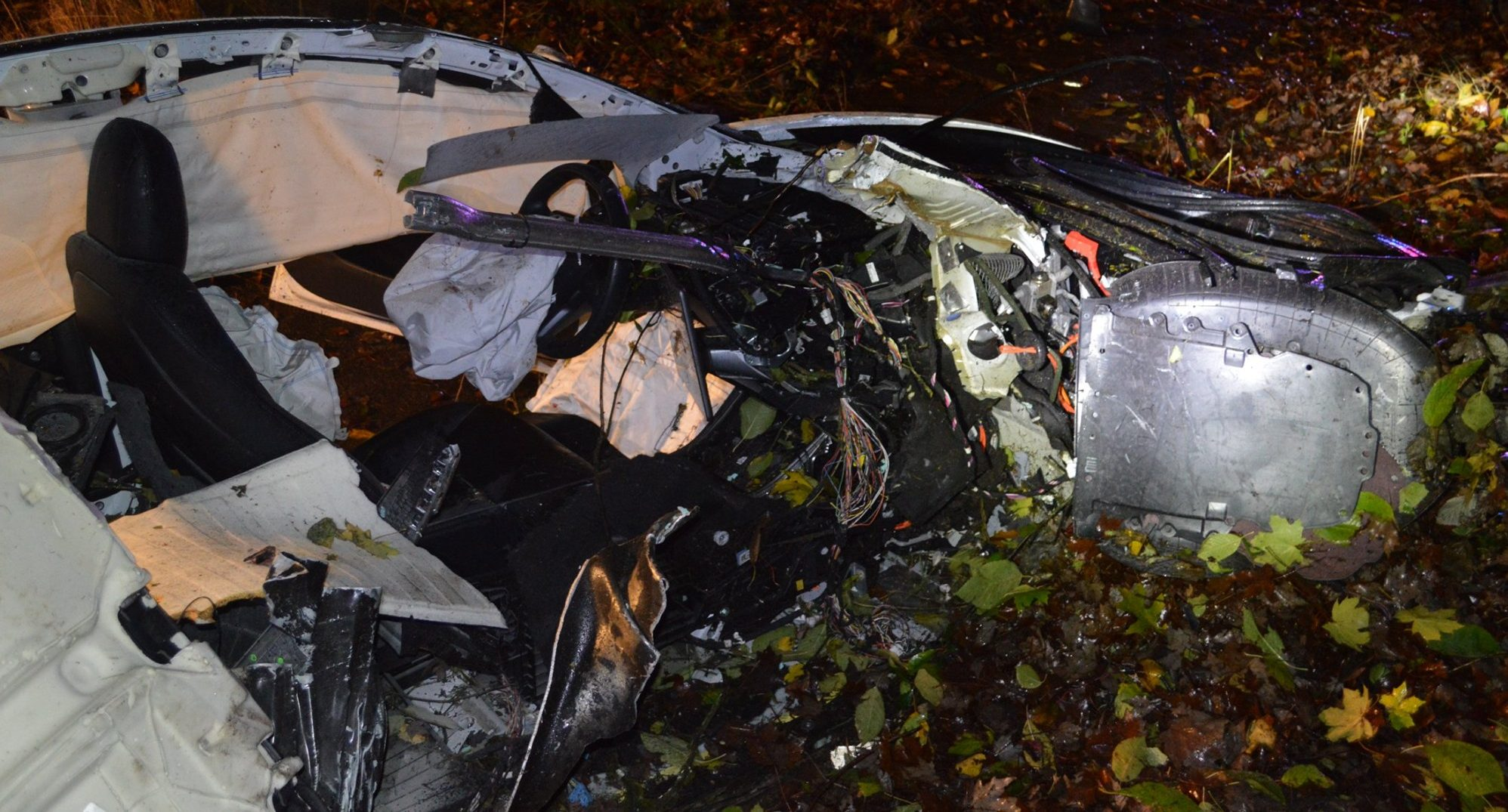 tesla-model-s-crash-corvallis-oregon-totaled