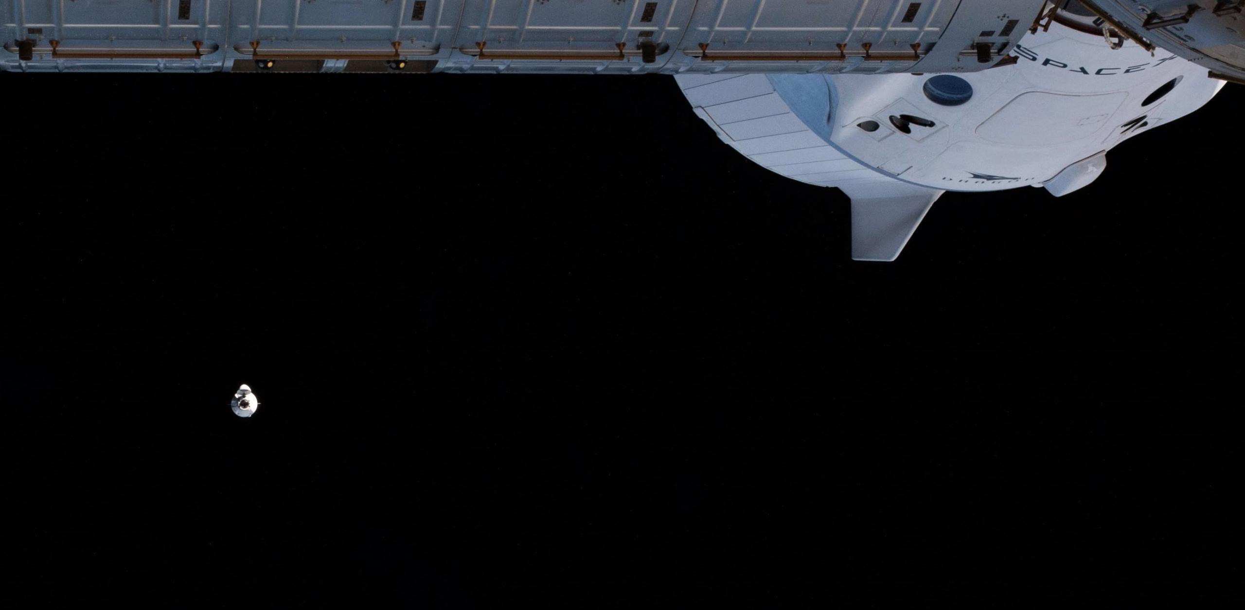 CRS-21 Cargo Dragon 2 120720 (NASA) ISS arrival 1 crop (c)