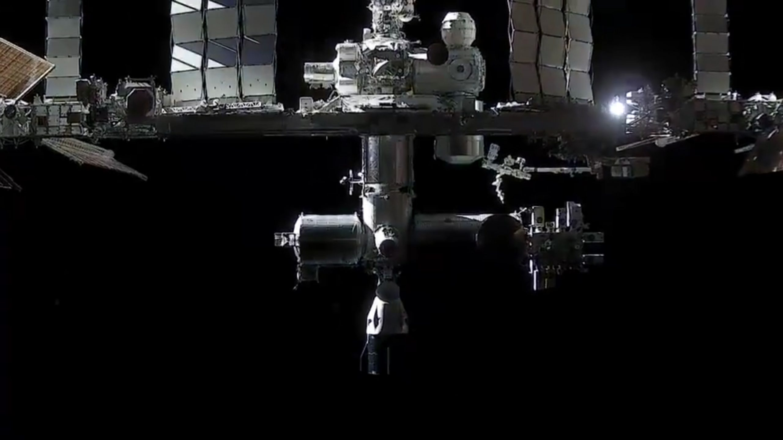 CRS-21 Cargo Dragon 2 120720 (SpaceX) ISS docking onboard view + C207 5