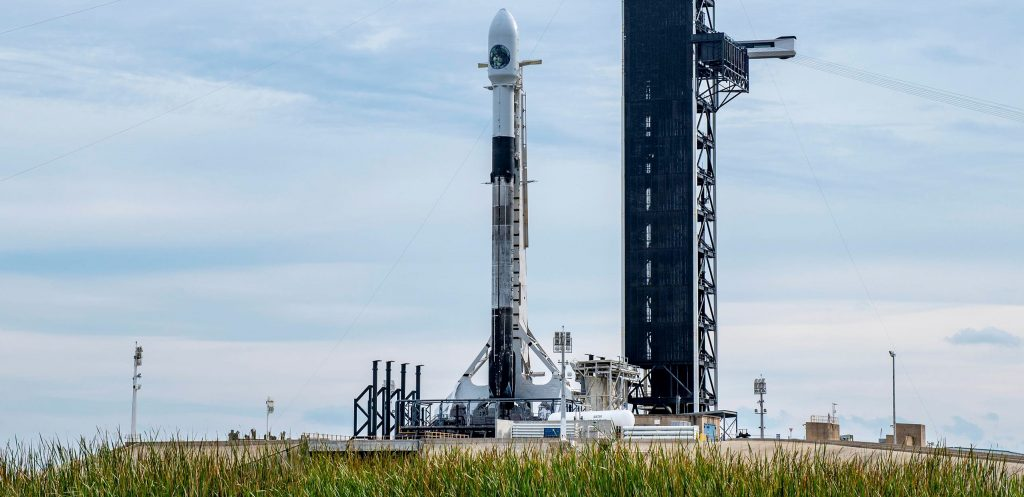Photo of Mira el último lanzamiento y aterrizaje de SpaceX de 2020 en vivo [webcast]