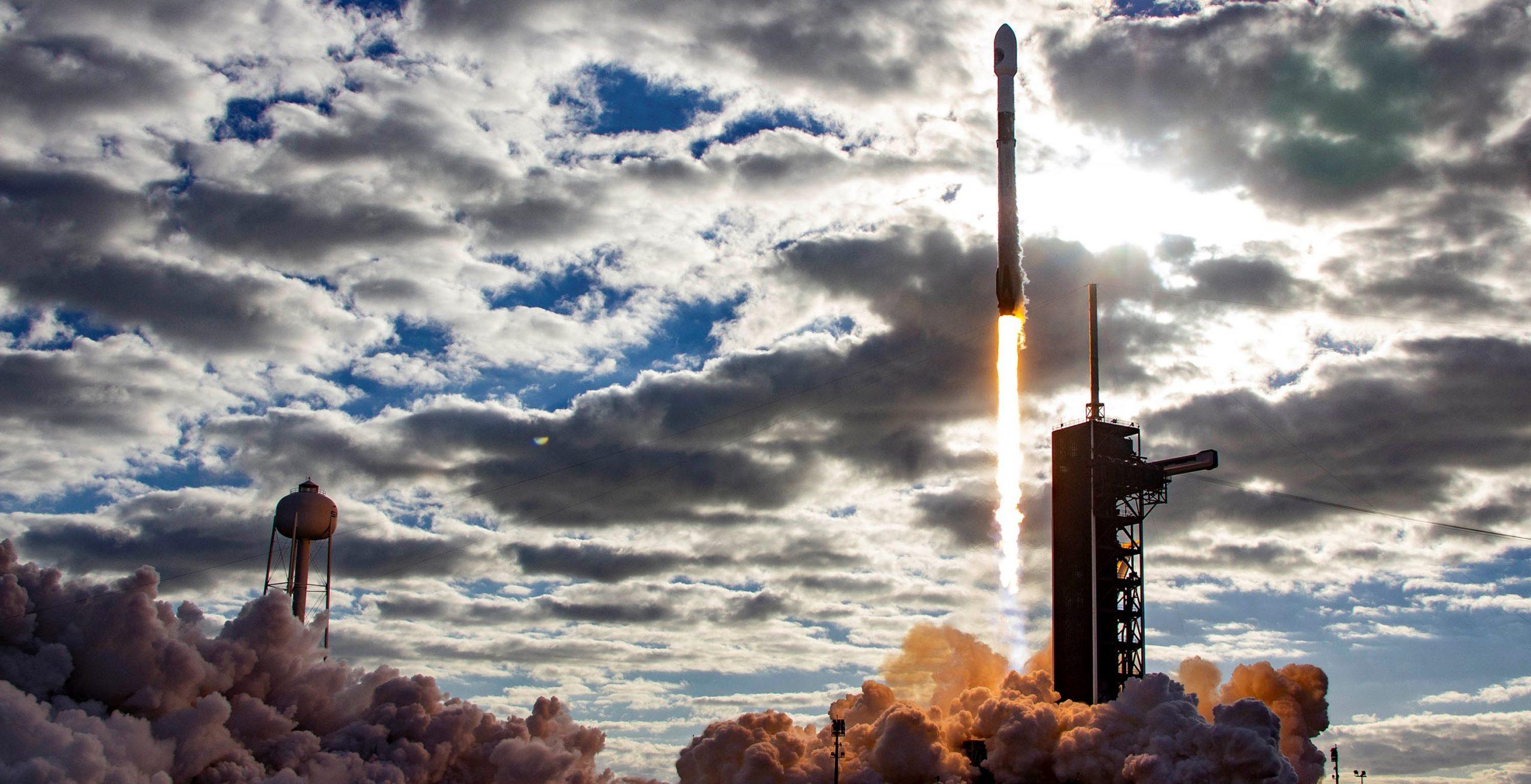 NROL-108 Falcon 9 B1059 Pad 39A 121920 (SpaceX) launch 4 crop