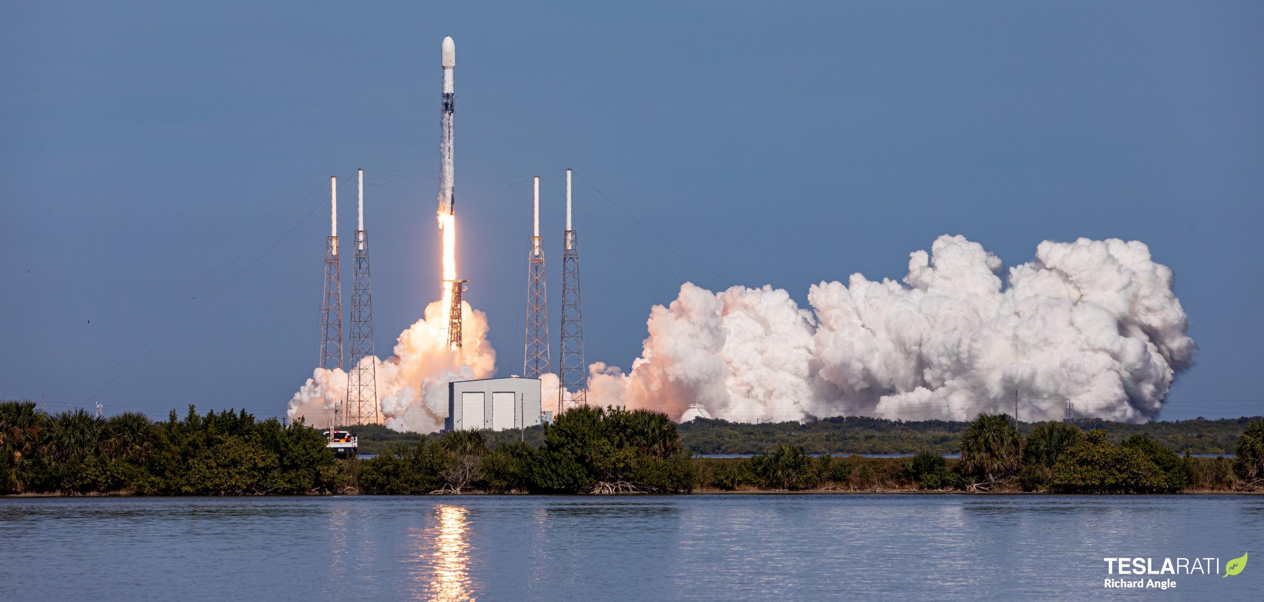 SXM-7 Falcon 9 B1051 LC-40 121320 (Richard Angle) launch 1 crop (c)