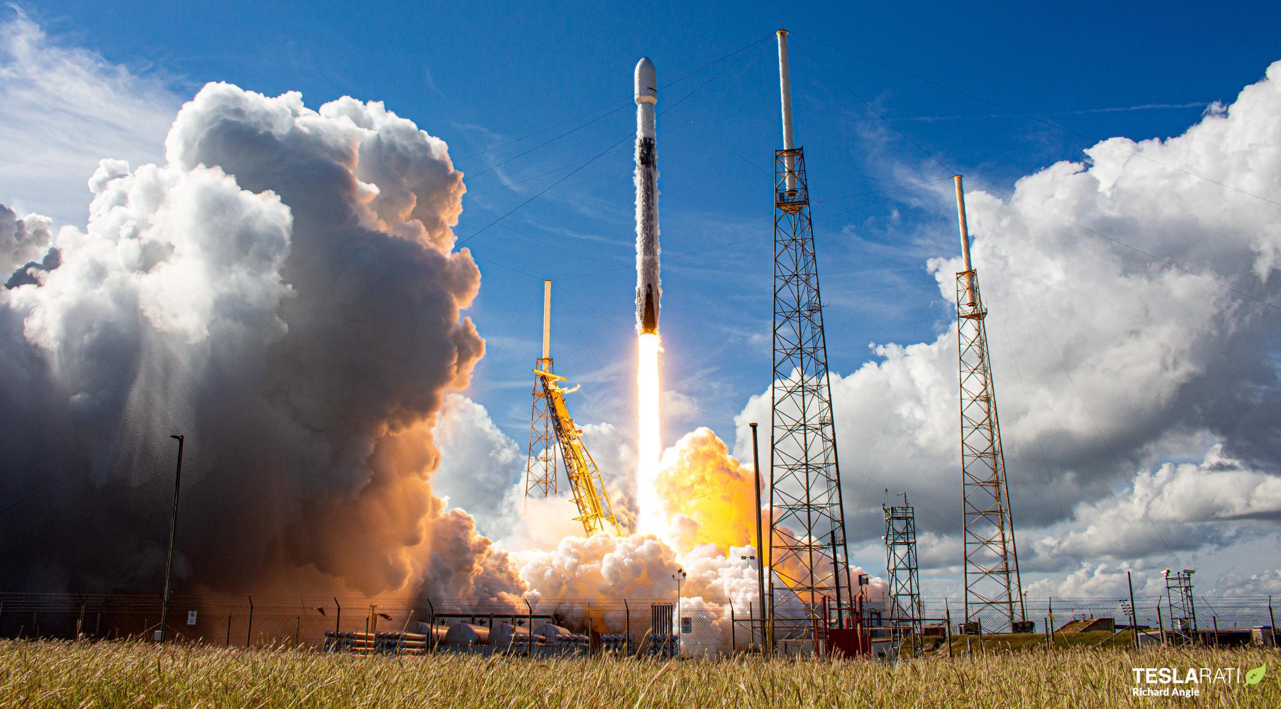 SXM-7 Falcon 9 B1051 LC-40 121320 (Richard Angle) launch 6 crop 1 (c)