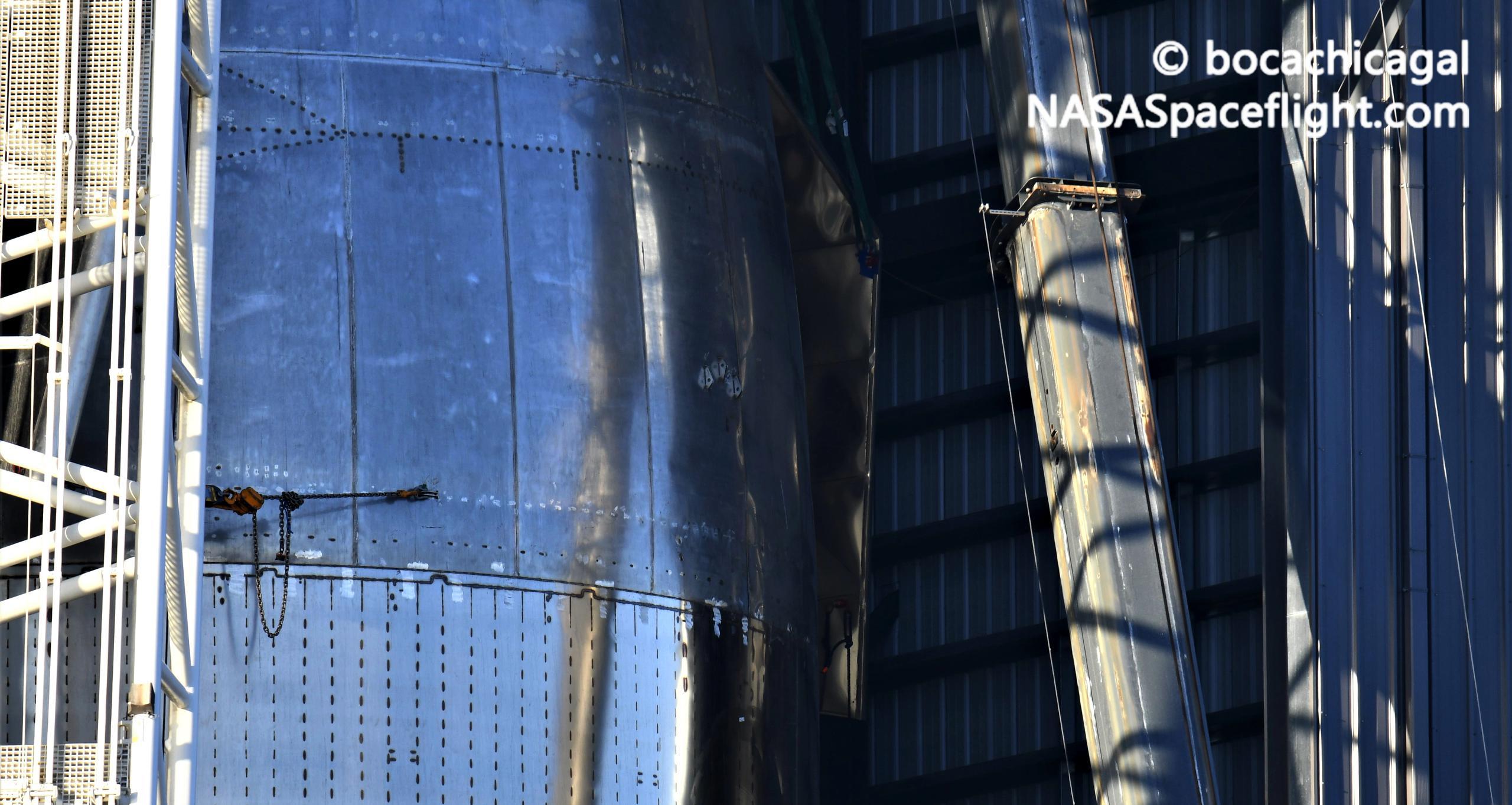 Starship Boca Chica 122020 (NASASpaceflight – bocachicagal) SN9 new flap 1 (c)