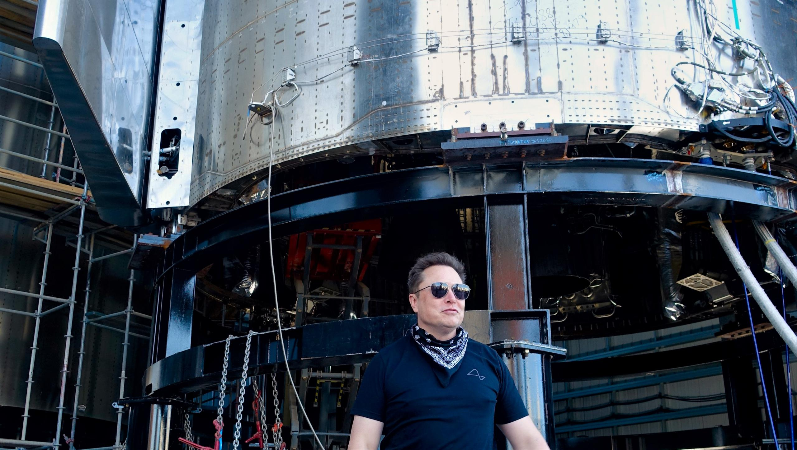 Starship SN9 tour 121020 (Steve Jurvetson) Elon 2 crop (c)