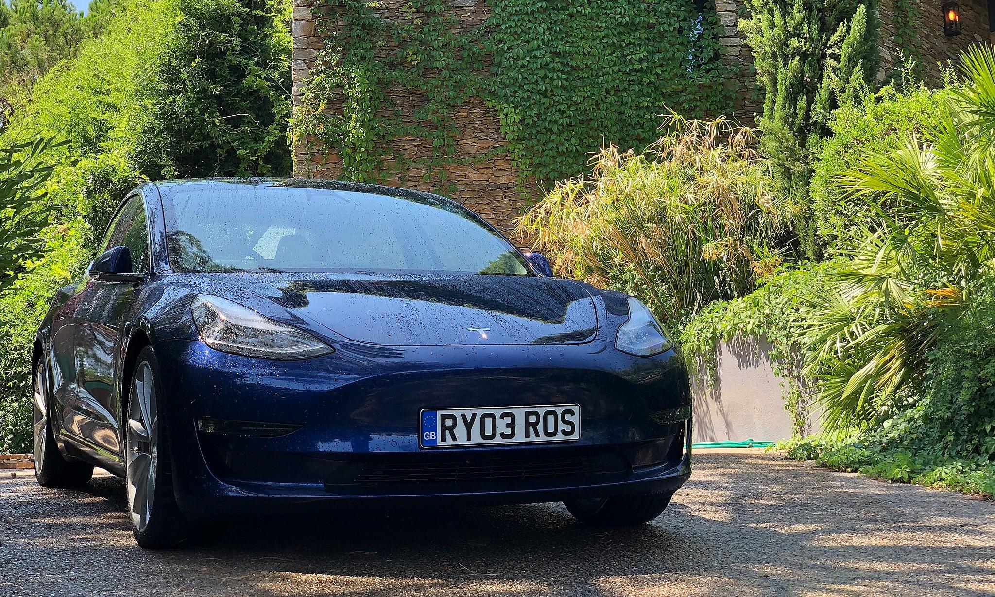 Tesla-Model-3-UK