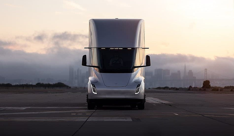 The Tesla Semi's 500 kWh battery and Convoy Mode are grossly underestimated - Teslarati