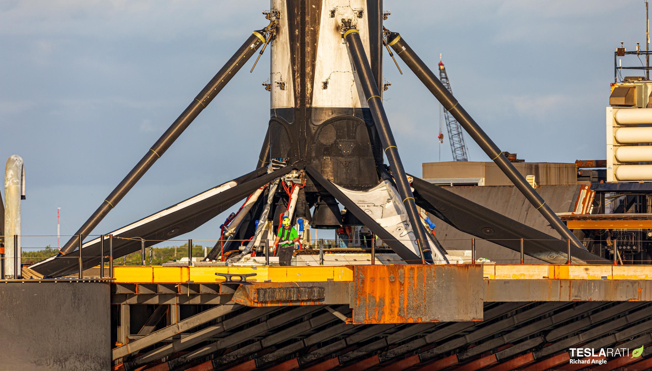 Starlink-16 Falcon 9 B1051 012421 (Richard Angle) JRTI return 3 crop (c)