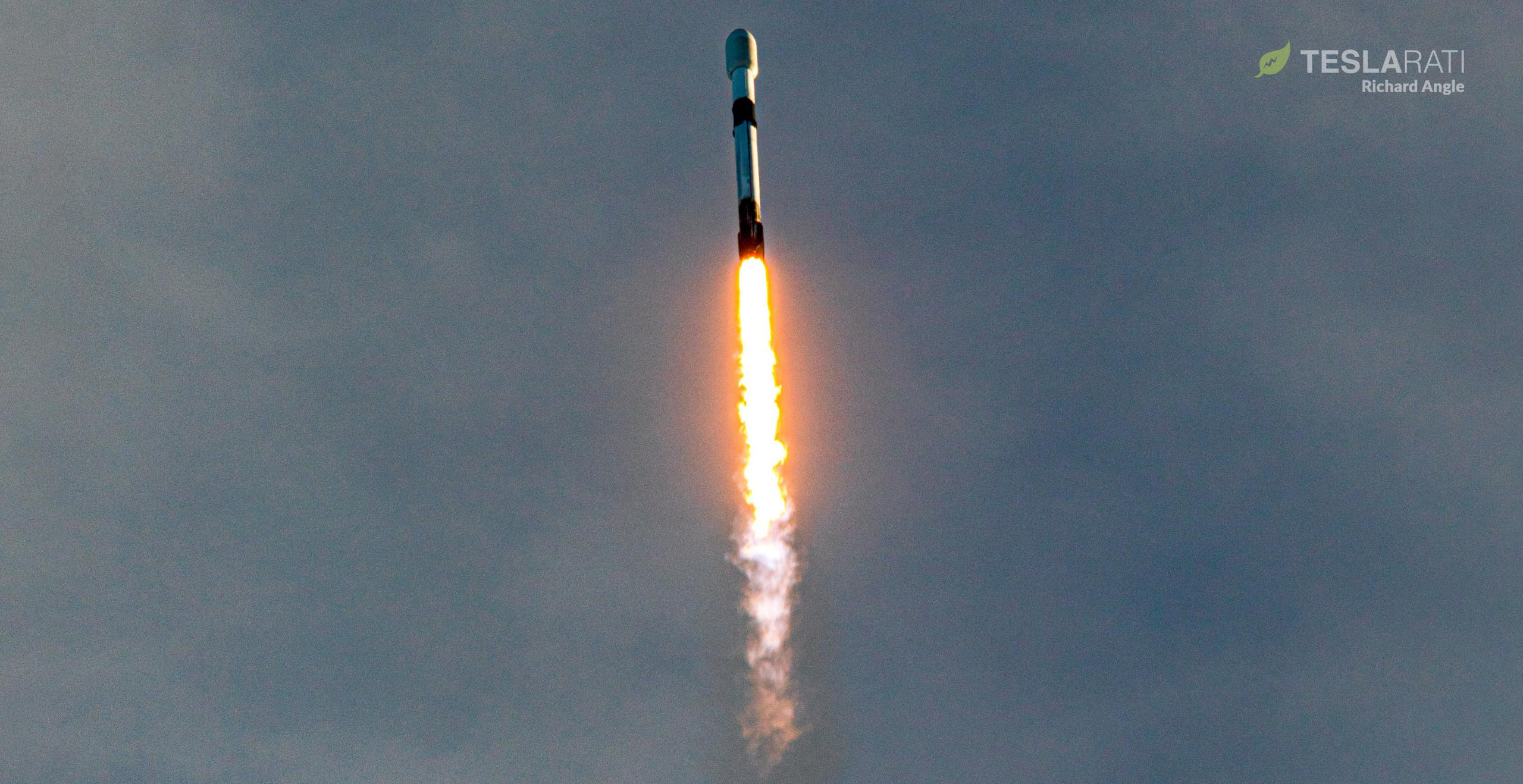 Starlink-16 Falcon 9 B1051 39A 012021 (Richard Angle) launch 1 crop (c)