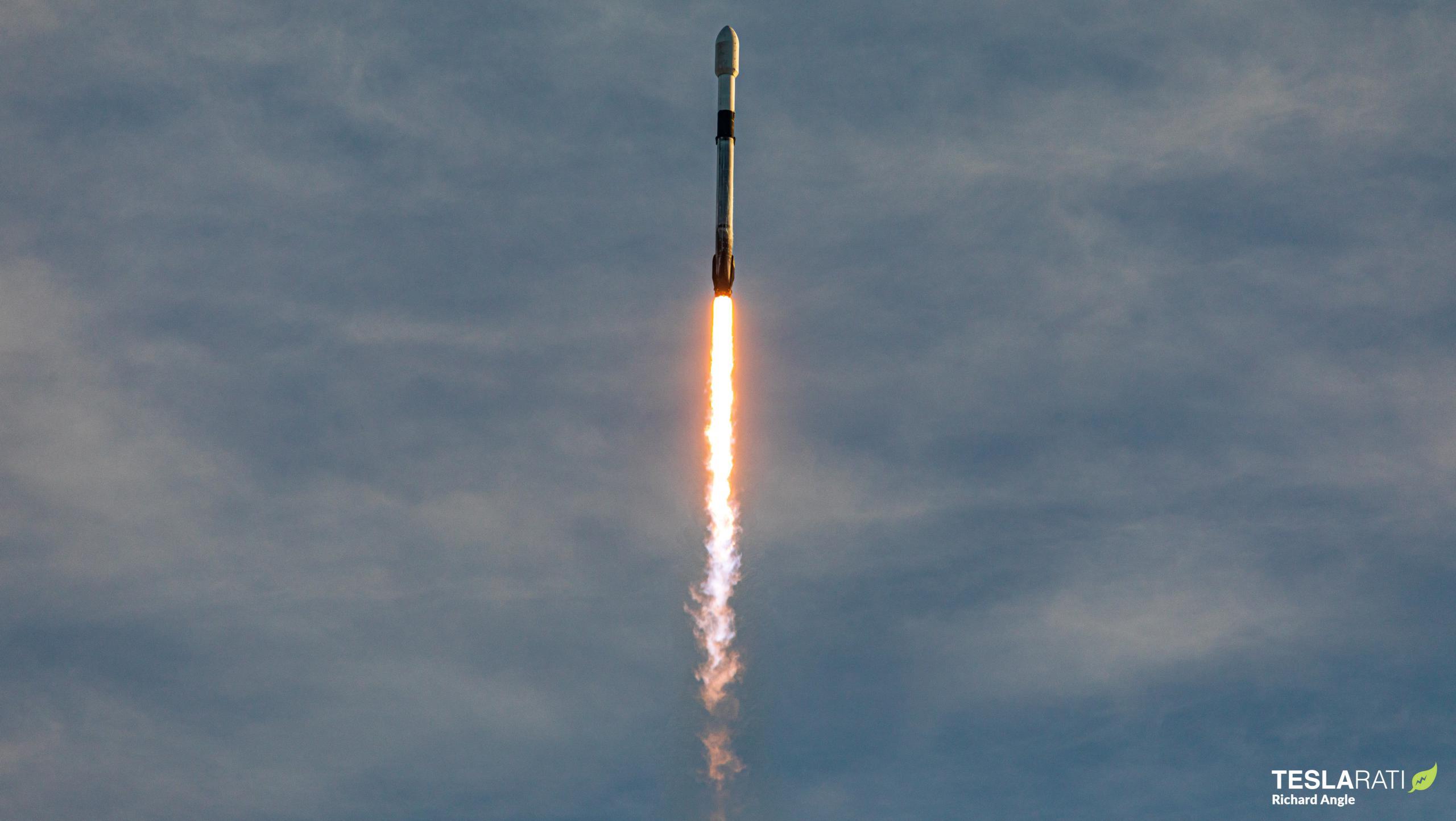 Starlink-16 Falcon 9 B1051 39A 012021 (Richard Angle) launch 2 crop (c)