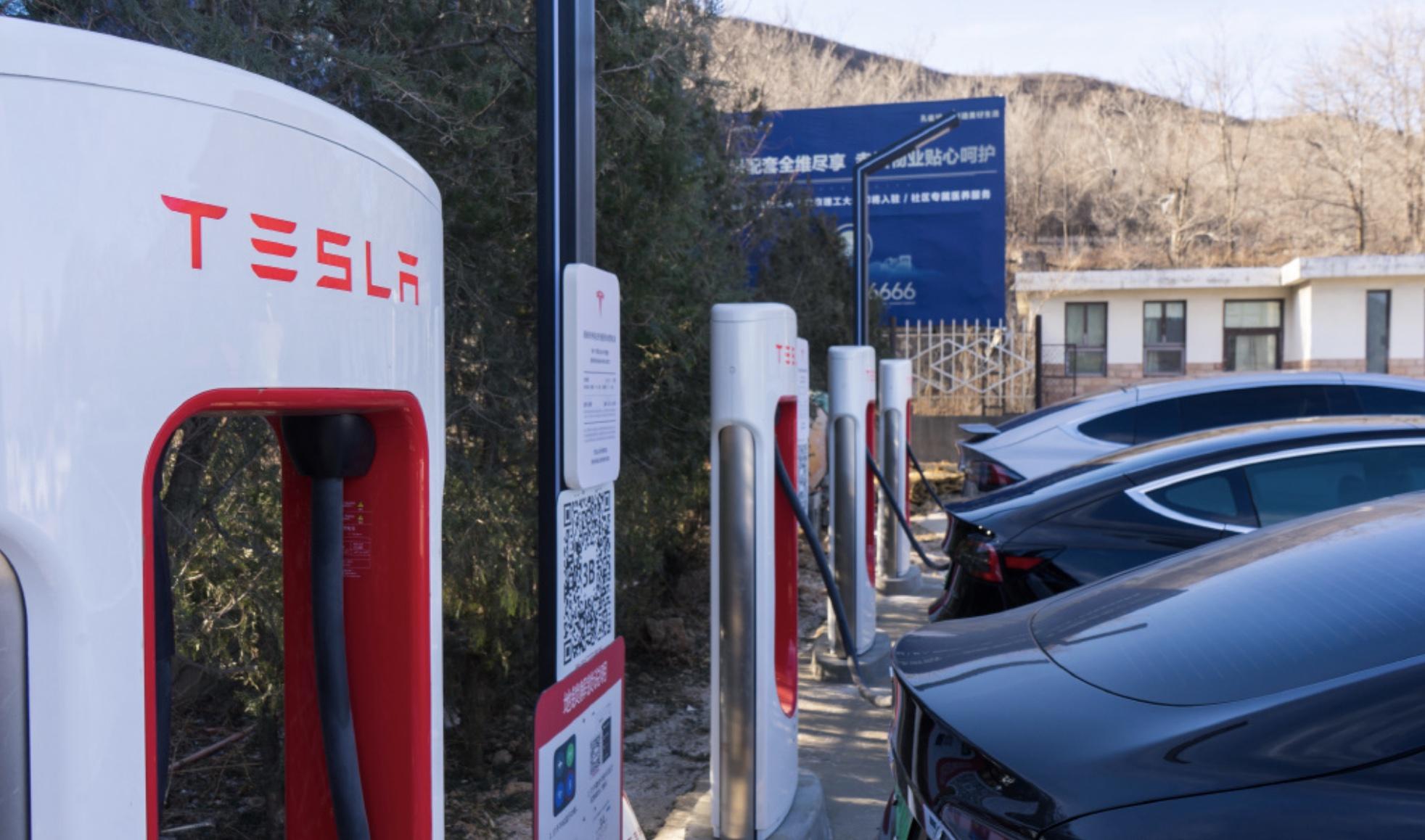 Tesla-supercharger-network-china-700