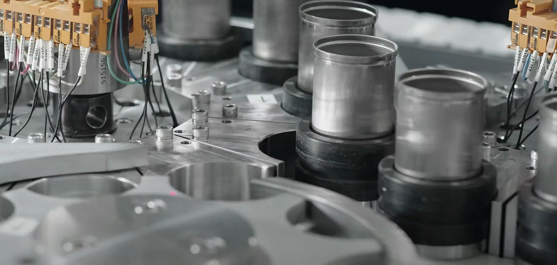 tesla-making-batteries-video