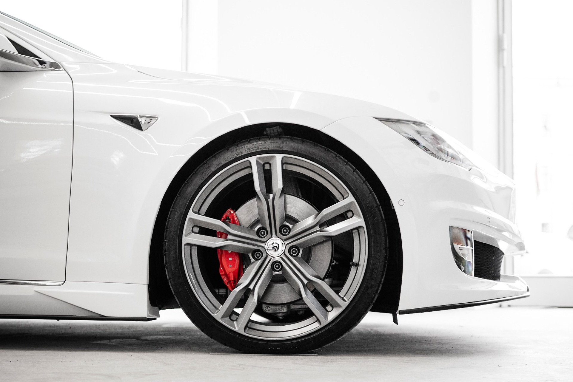 tesla-model-s-convertible-conversion-by-ares_100777262_h