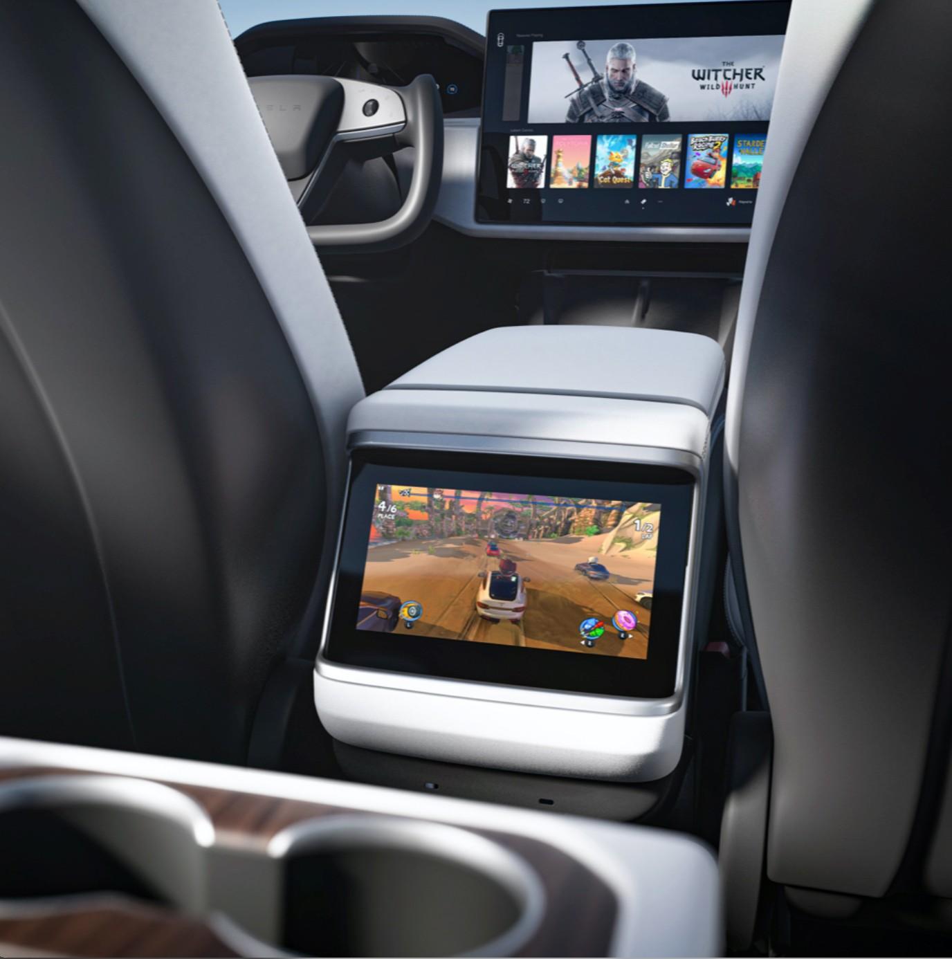 tesla-model-s-rear-screen