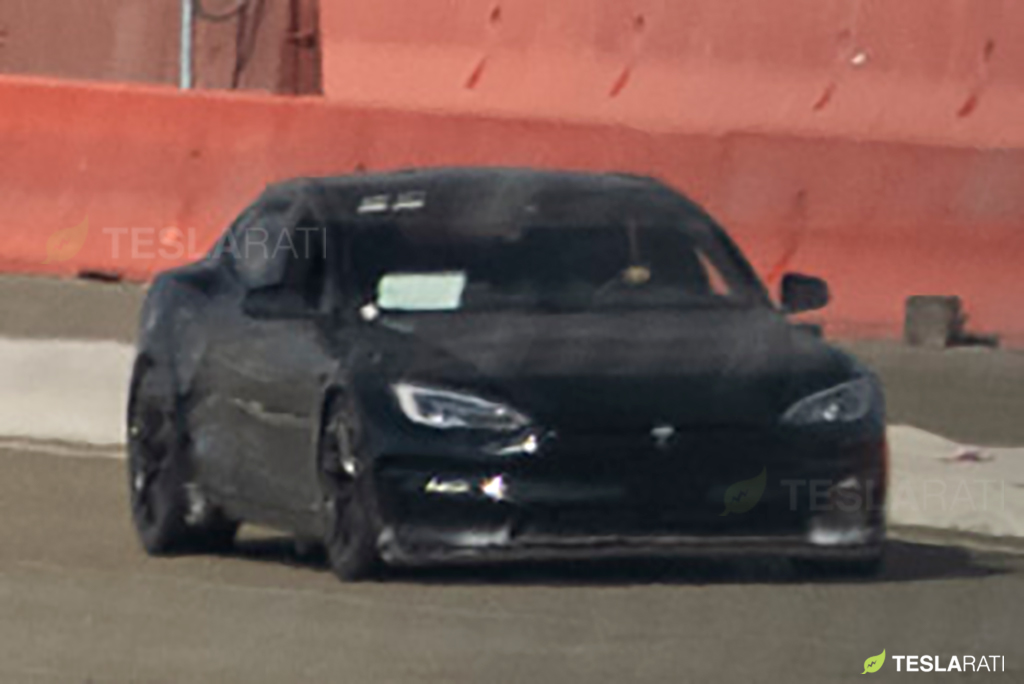 tesla-model-s-refresh-plaid-spy-photo-track