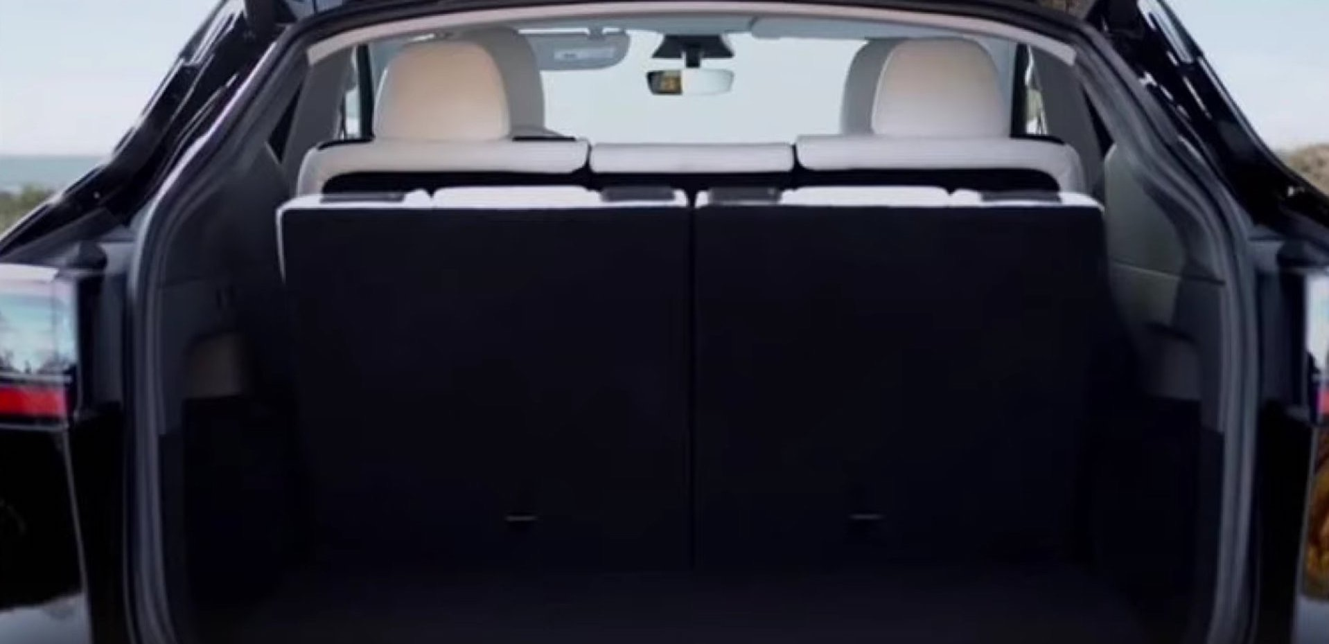 tesla-model-y-seven-seater-12