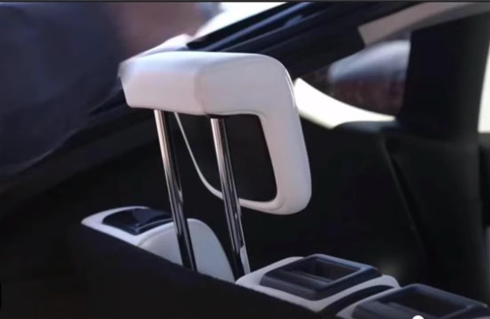 tesla-model-y-third-row-headrest