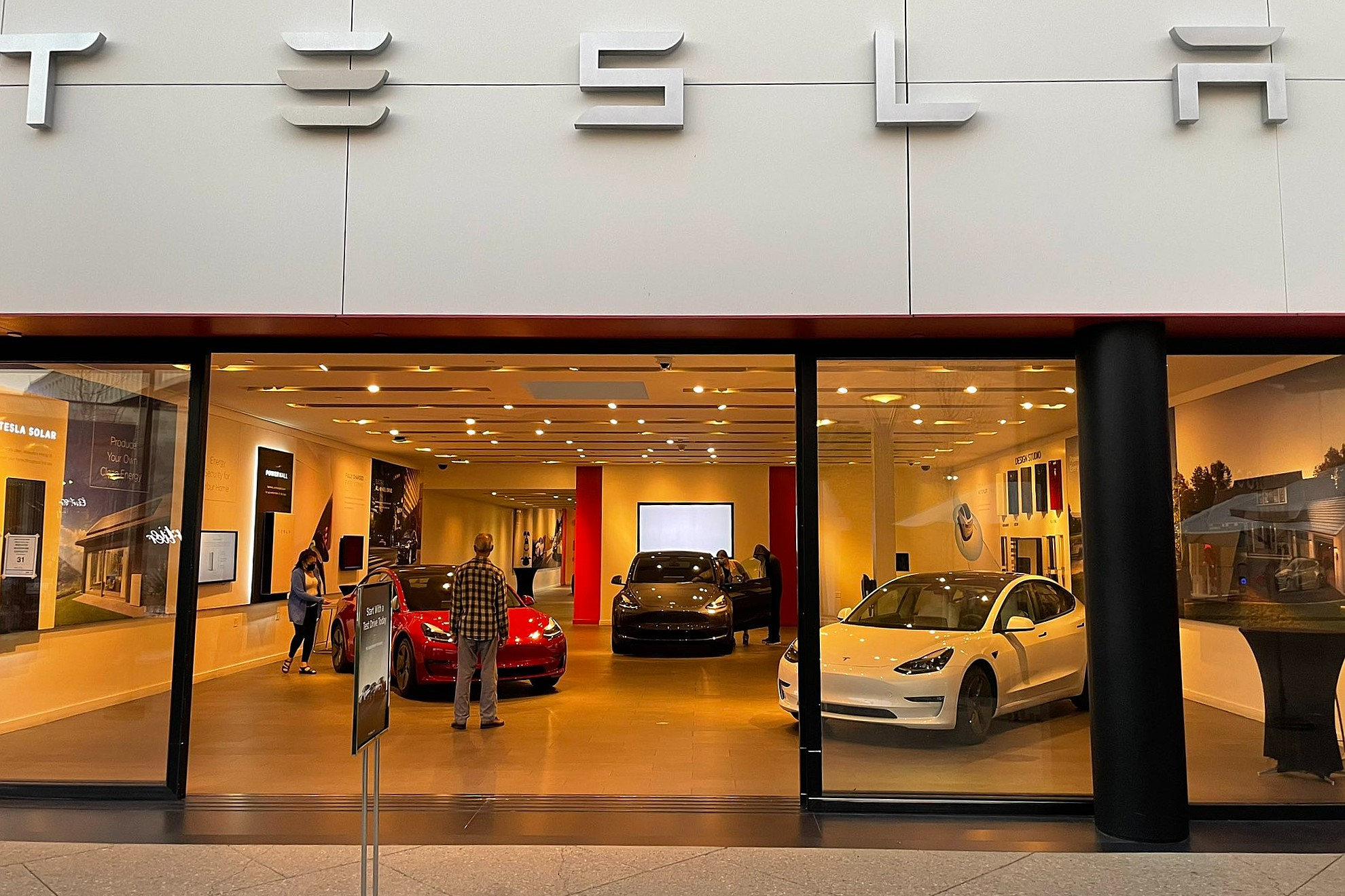 Tesla Asked to Recall 158,000 Vehicles Over Flash Memory Failure