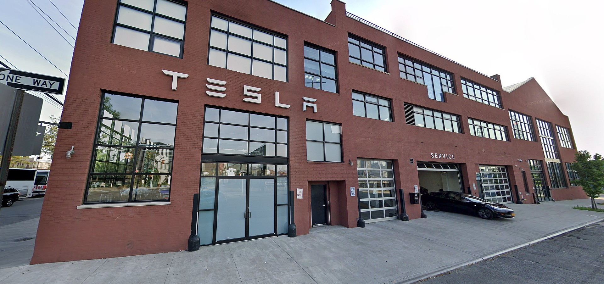 tesla-warehouse-red-hook-brooklyn
