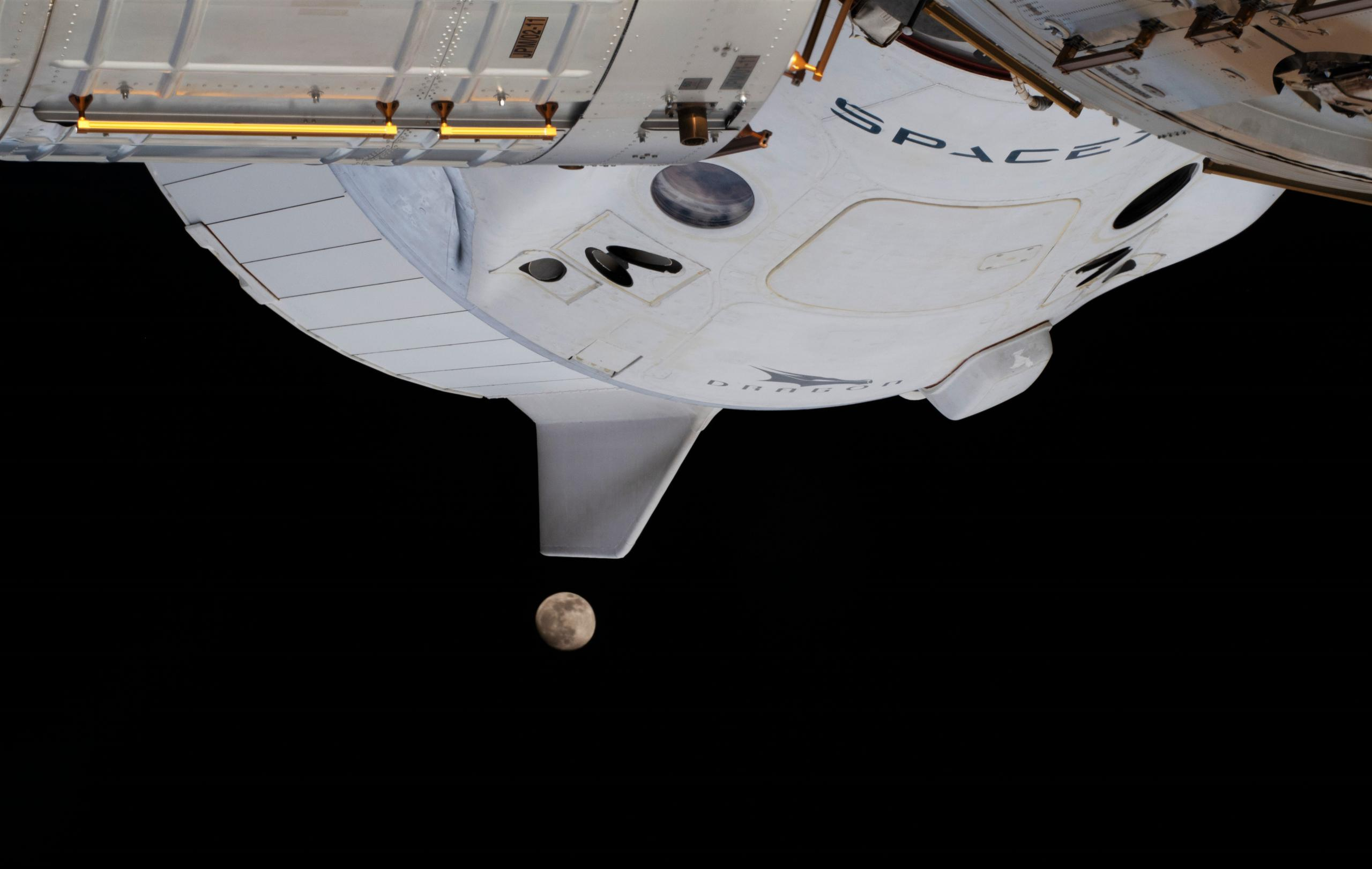 Crew Dragon C207 Crew-1 ISS 012621 (NASA) Moon eclipse 2 crop (c)