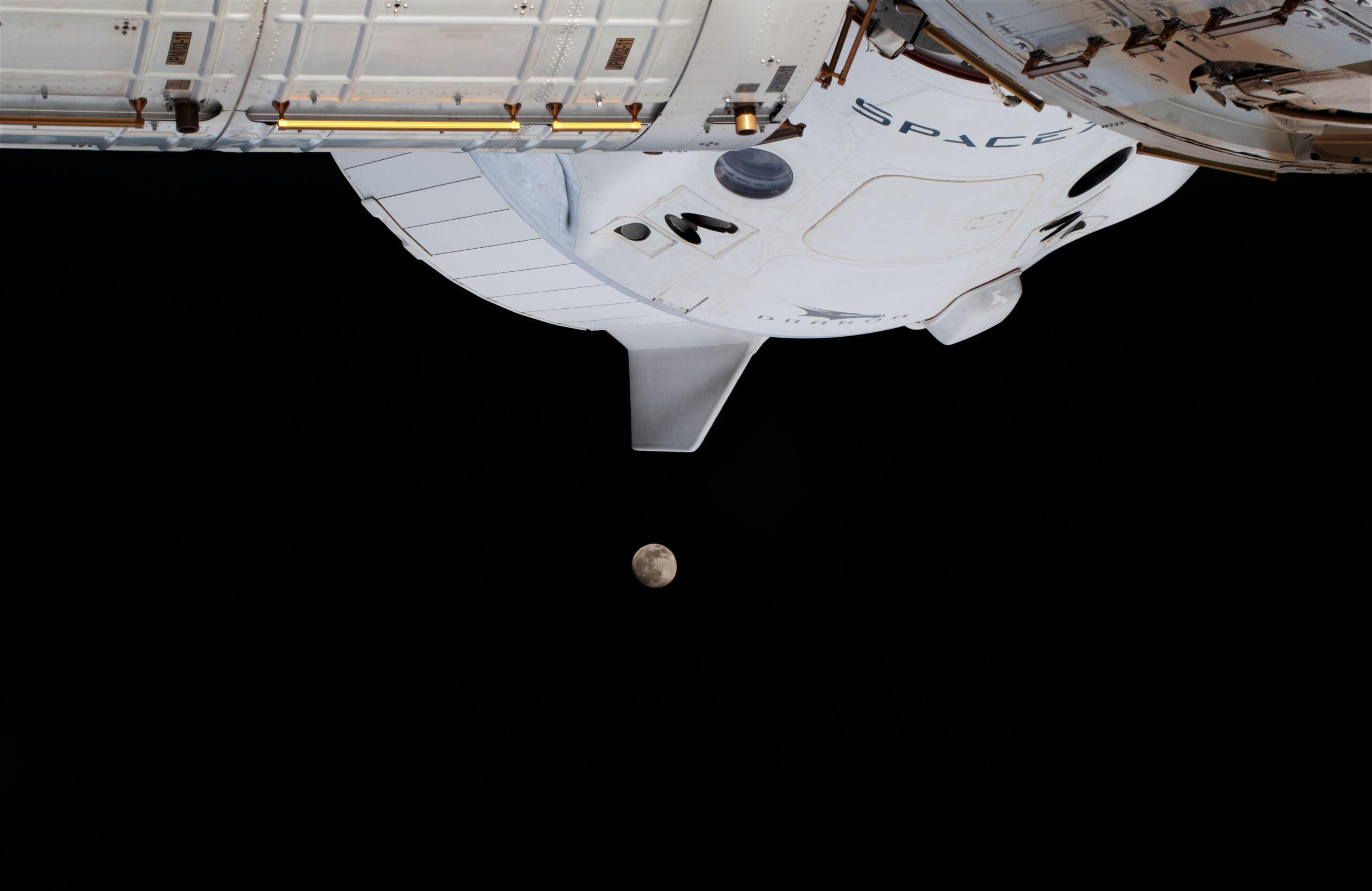Crew Dragon C207 Crew-1 ISS 012621 (NASA) Moon eclipse 5 crop (c)