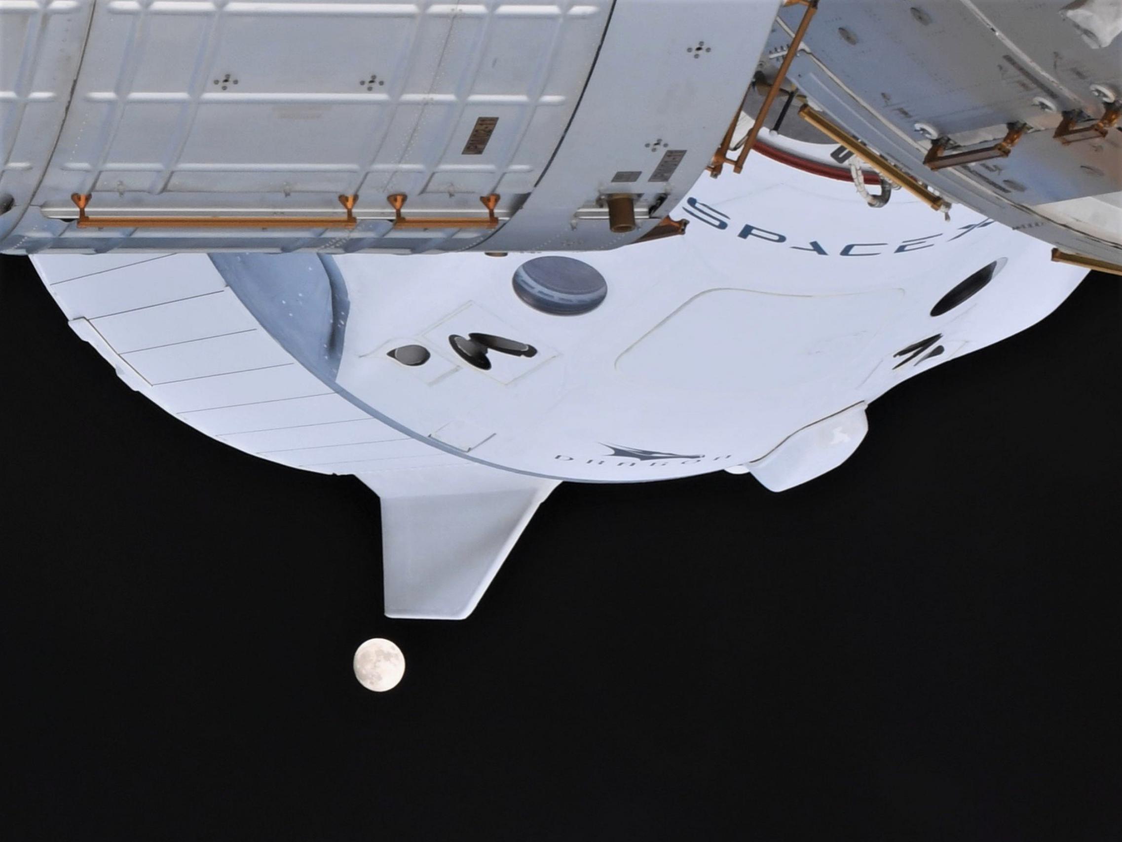 Crew Dragon C207 Crew-1 ISS 112520 (Soichi Noguchi) Moon 7 (c)