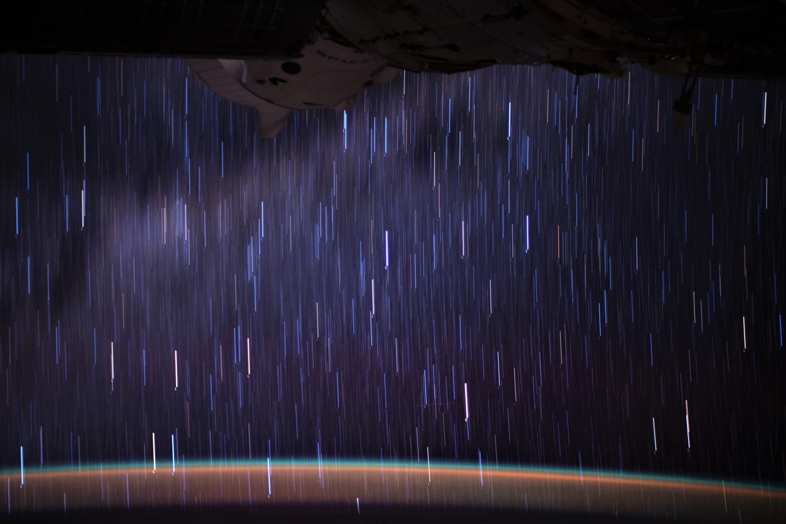 Crew Dragon C207 Crew-1 ISS Jan 2021 (NASA EOL) streak 2 (c)