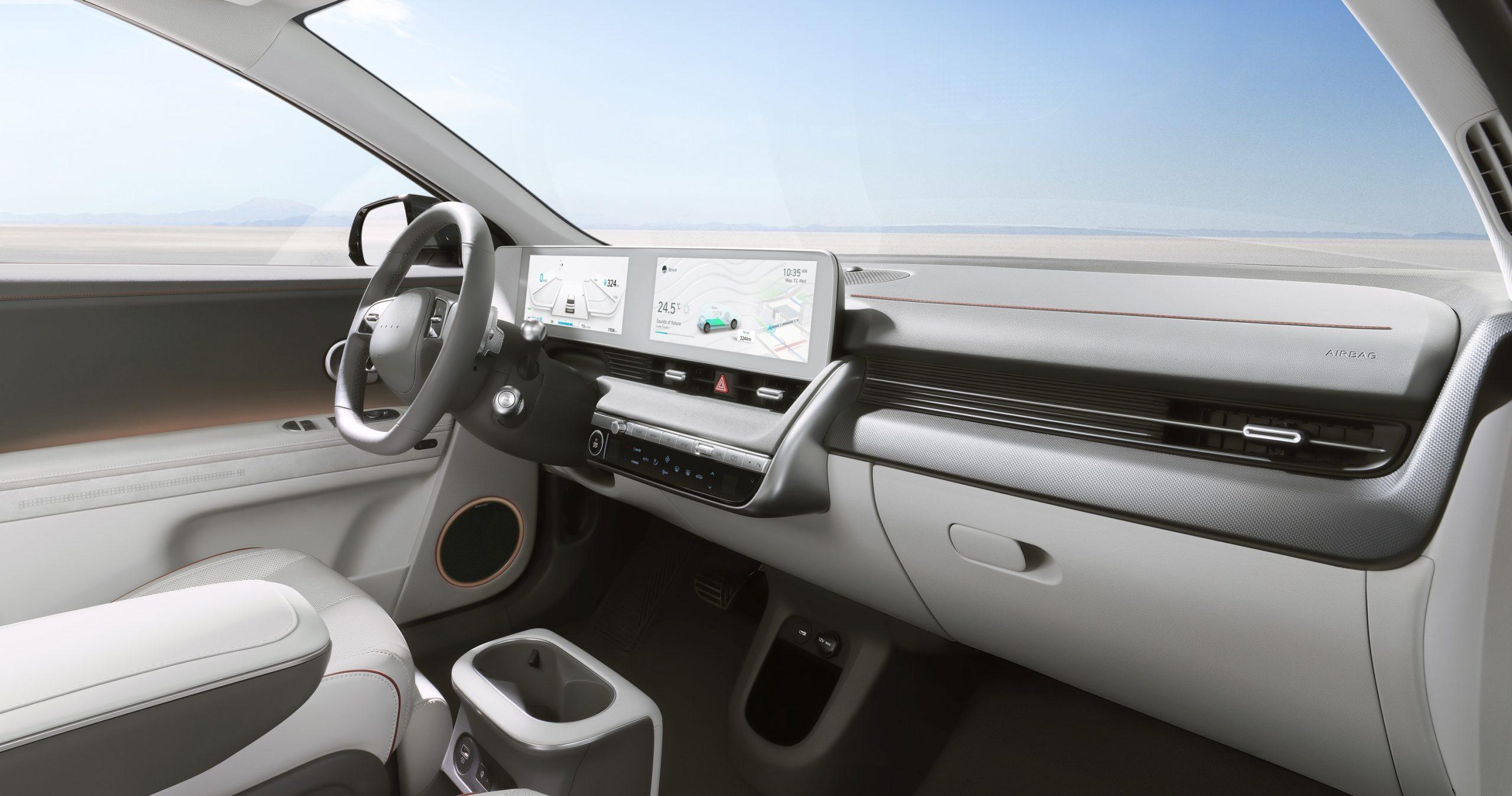 Large-45014-HyundaiIONIQ5RedefinesElectricMobilityLifestyle