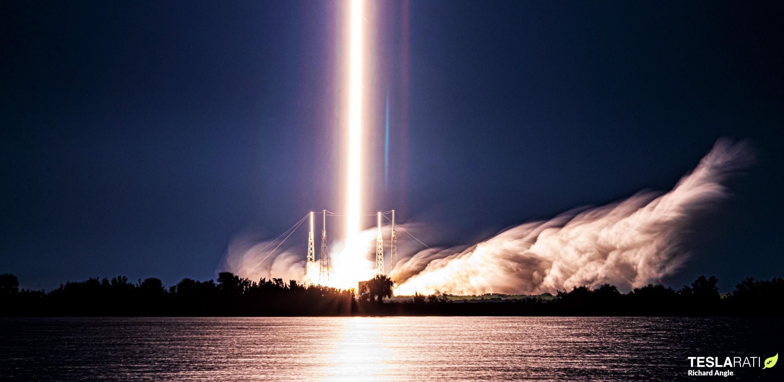 Starlink-18 Falcon 9 B1060 020421 (Richard Angle) launch streak 1 crop (c)
