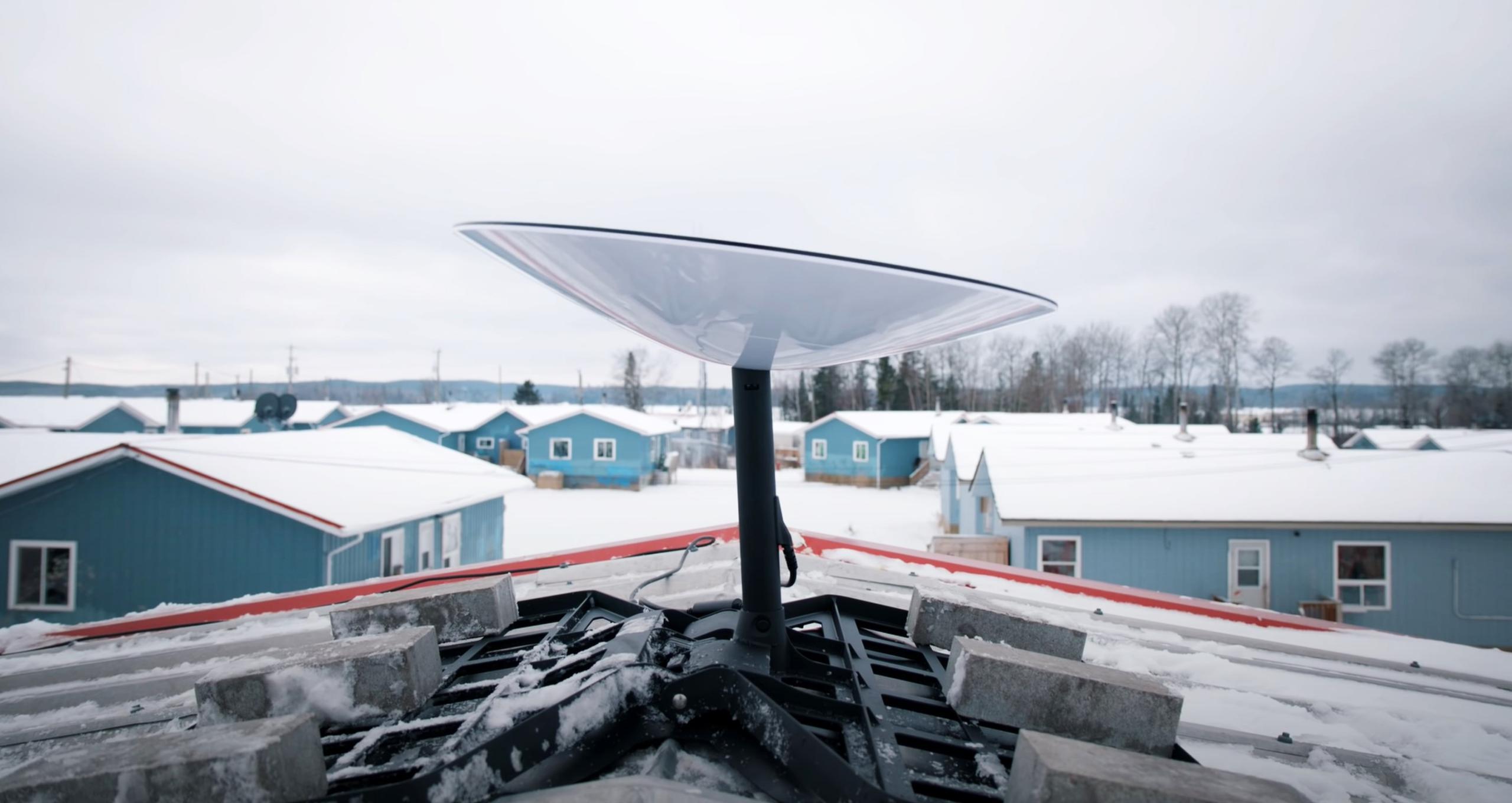 Starlink Pikangikum deployment 2021 (FSET) 2 (c)
