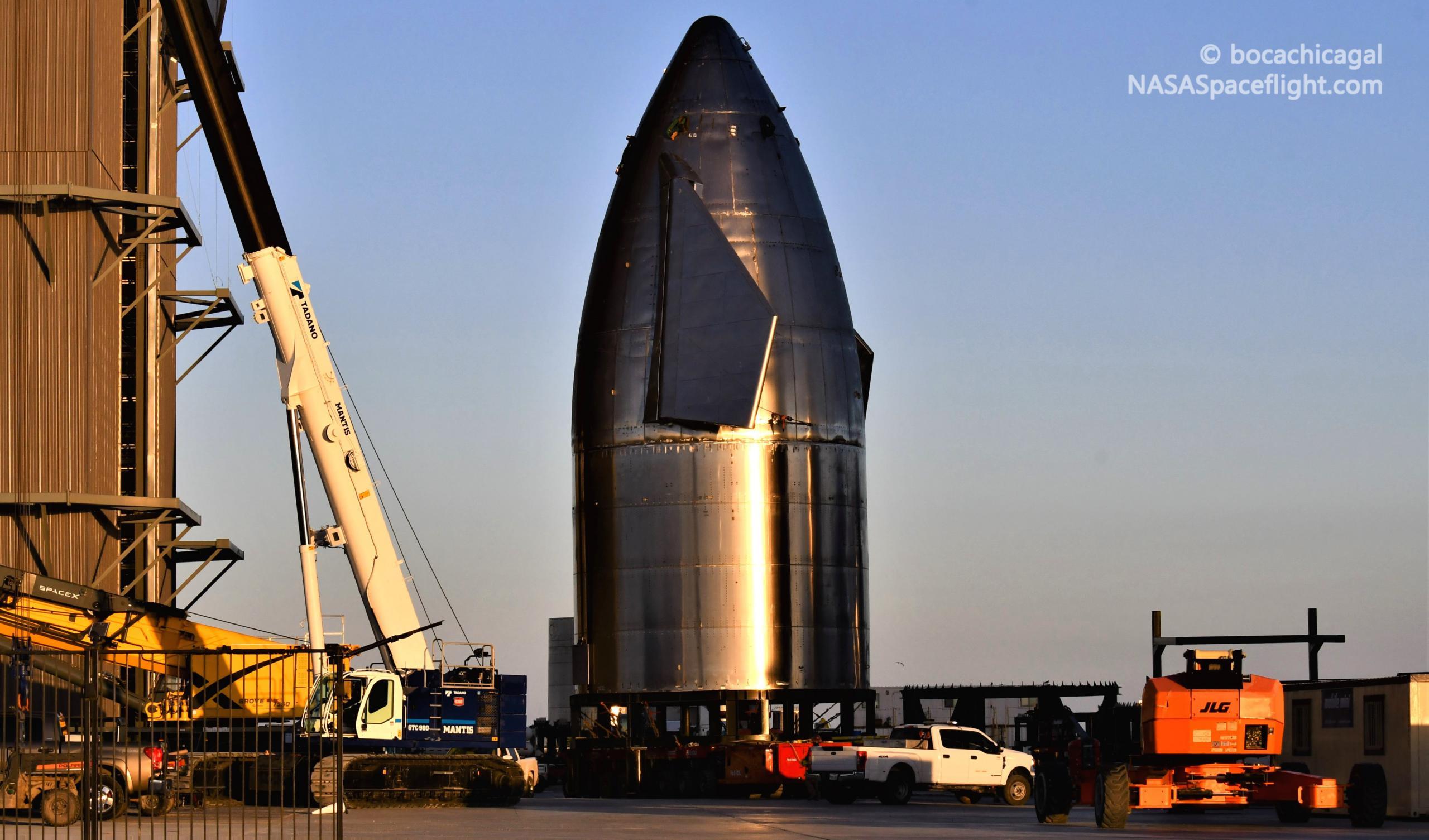 Starship Boca Chica 020721 (NASASpaceflight – bocachicagal) SN11 nose install 1 crop (c)
