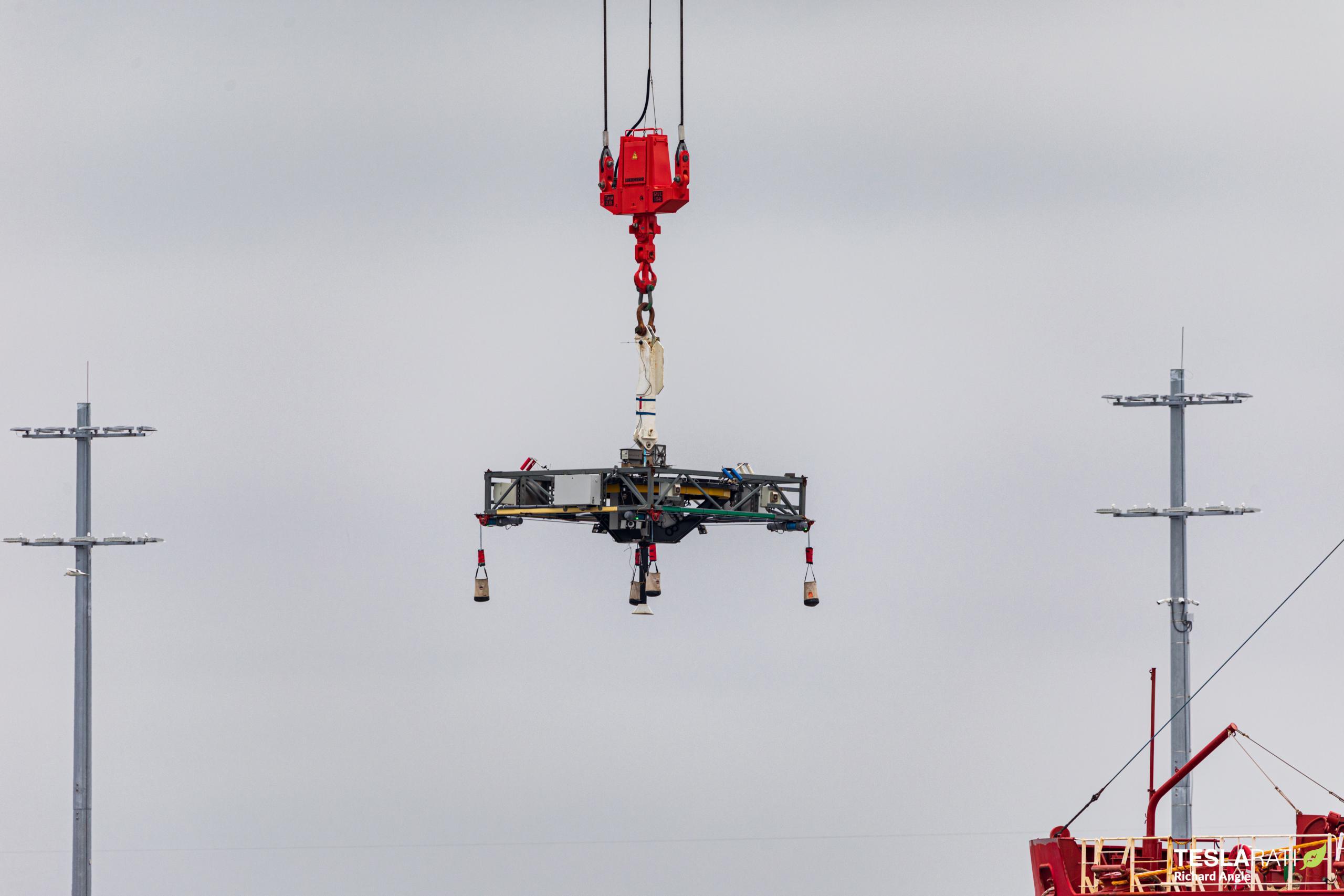 Turksat 5A Falcon 9 B1060 011221 (Richard Angle) recovery (1) (c)