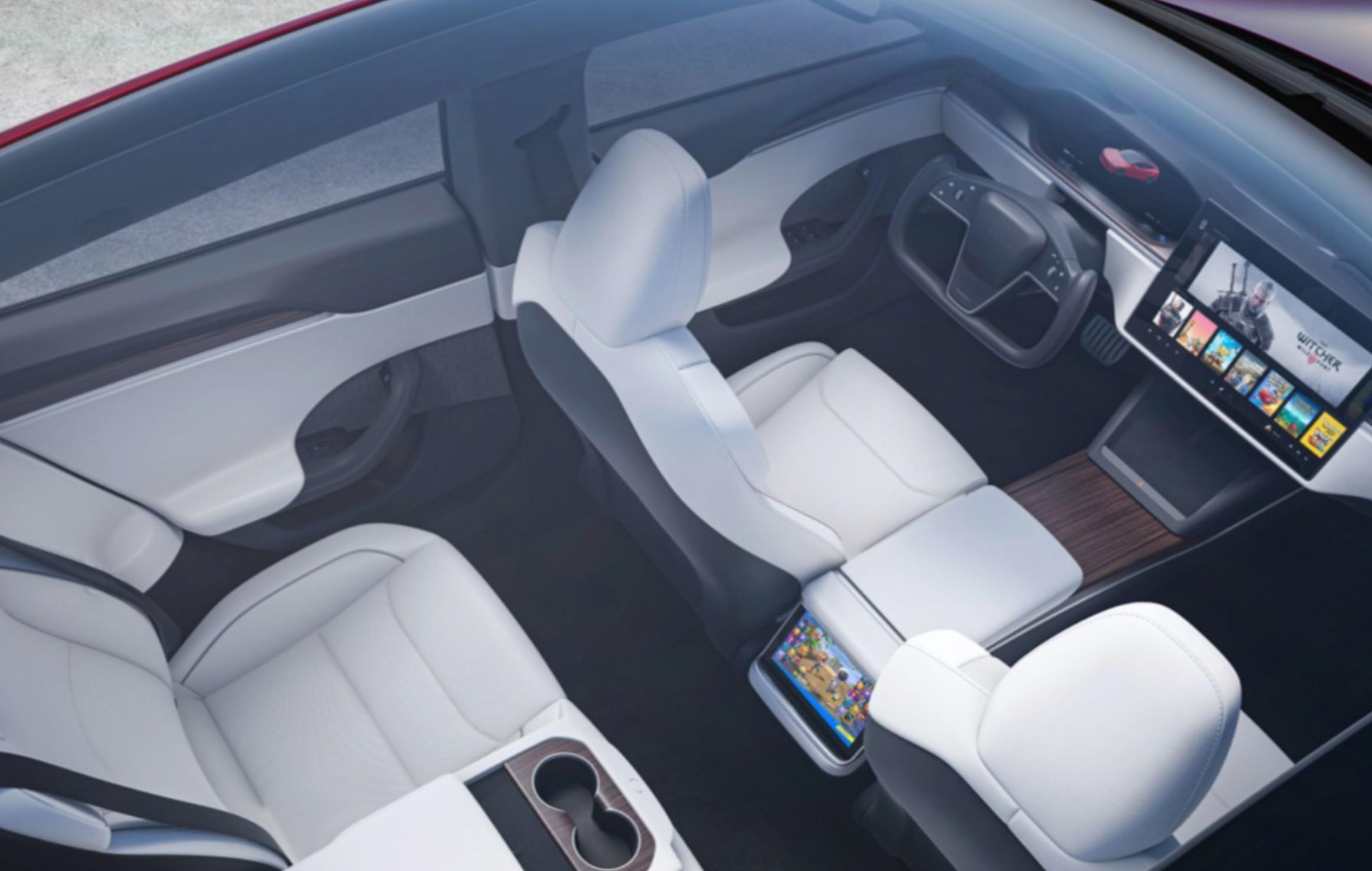 tesla-model-s-yoke-steering