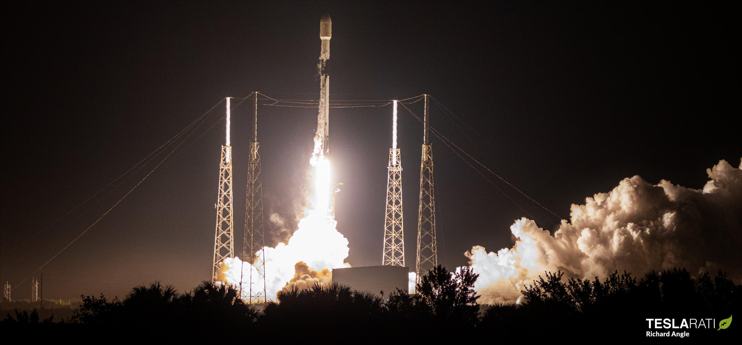 Starlink-20 Falcon 9 B1058 LC-40 031121 (Richard Angle) launch 1 crop (c)